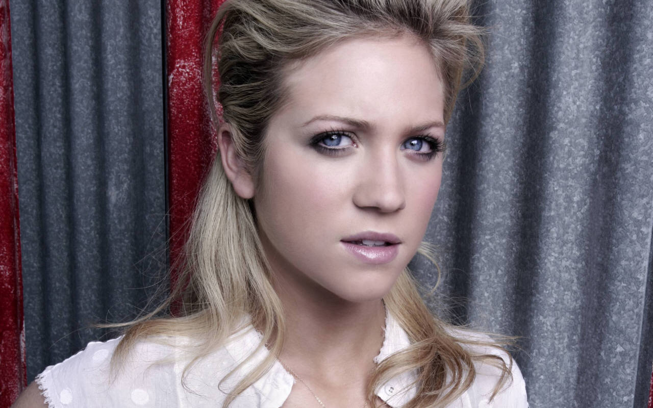 1280x800 - Brittany Snow Wallpapers 6
