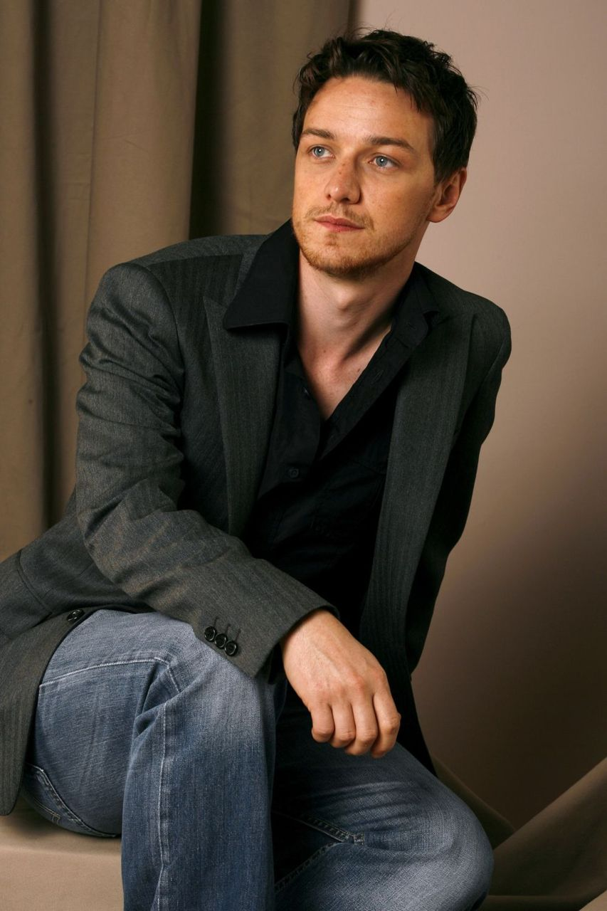 853x1280 - James McAvoy Wallpapers 10