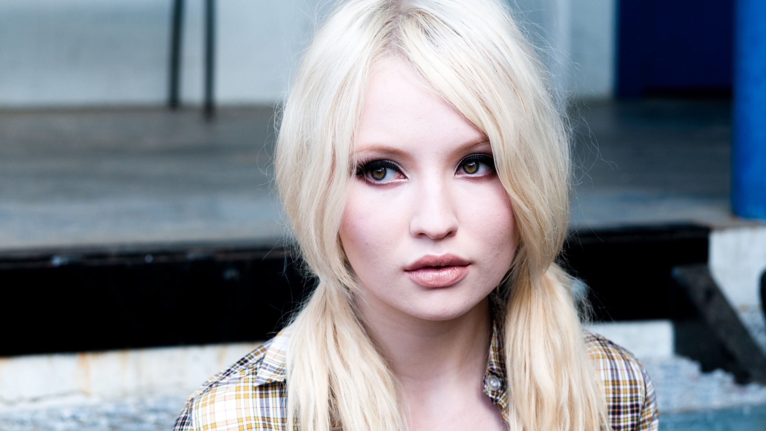 2560x1440 - Emily Browning Wallpapers 3