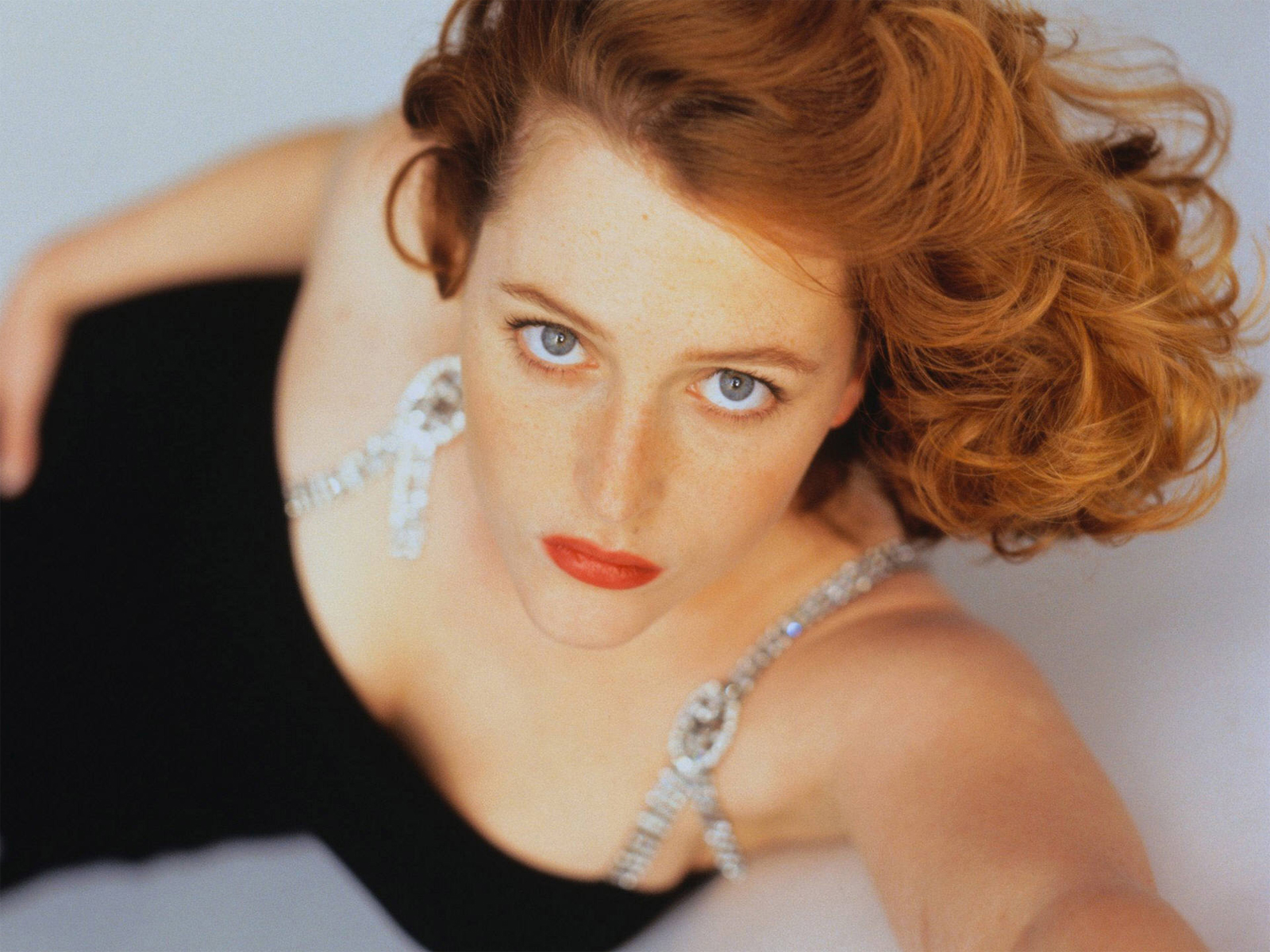 1600x1200 - Gillian Anderson Wallpapers 3