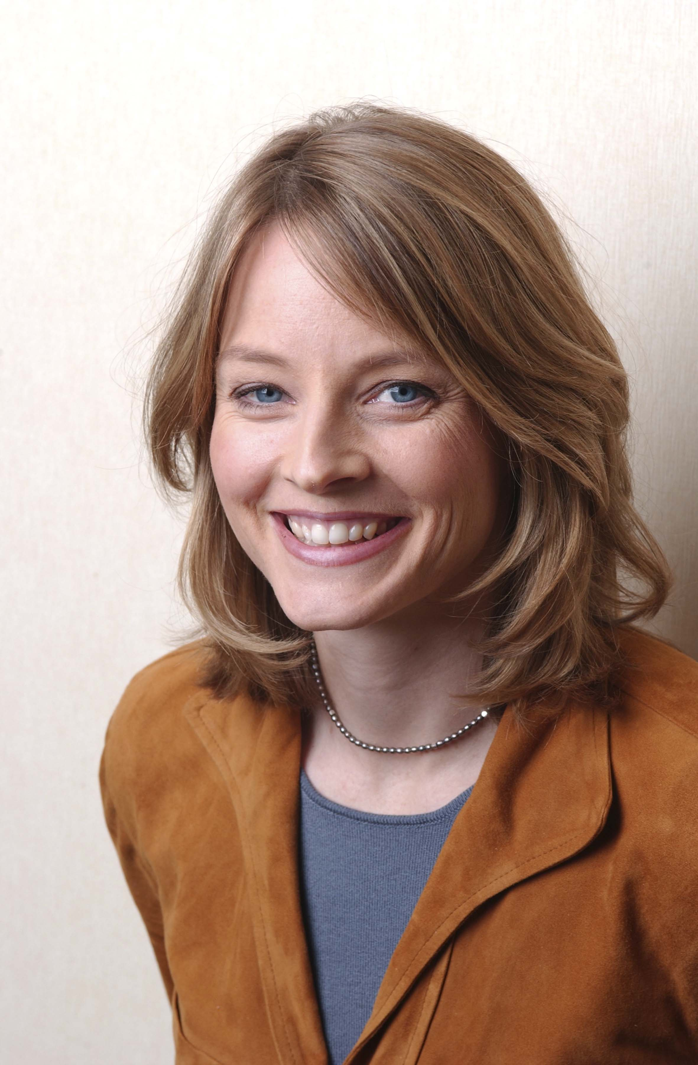 2362x3601 - Jodie Foster Wallpapers 36