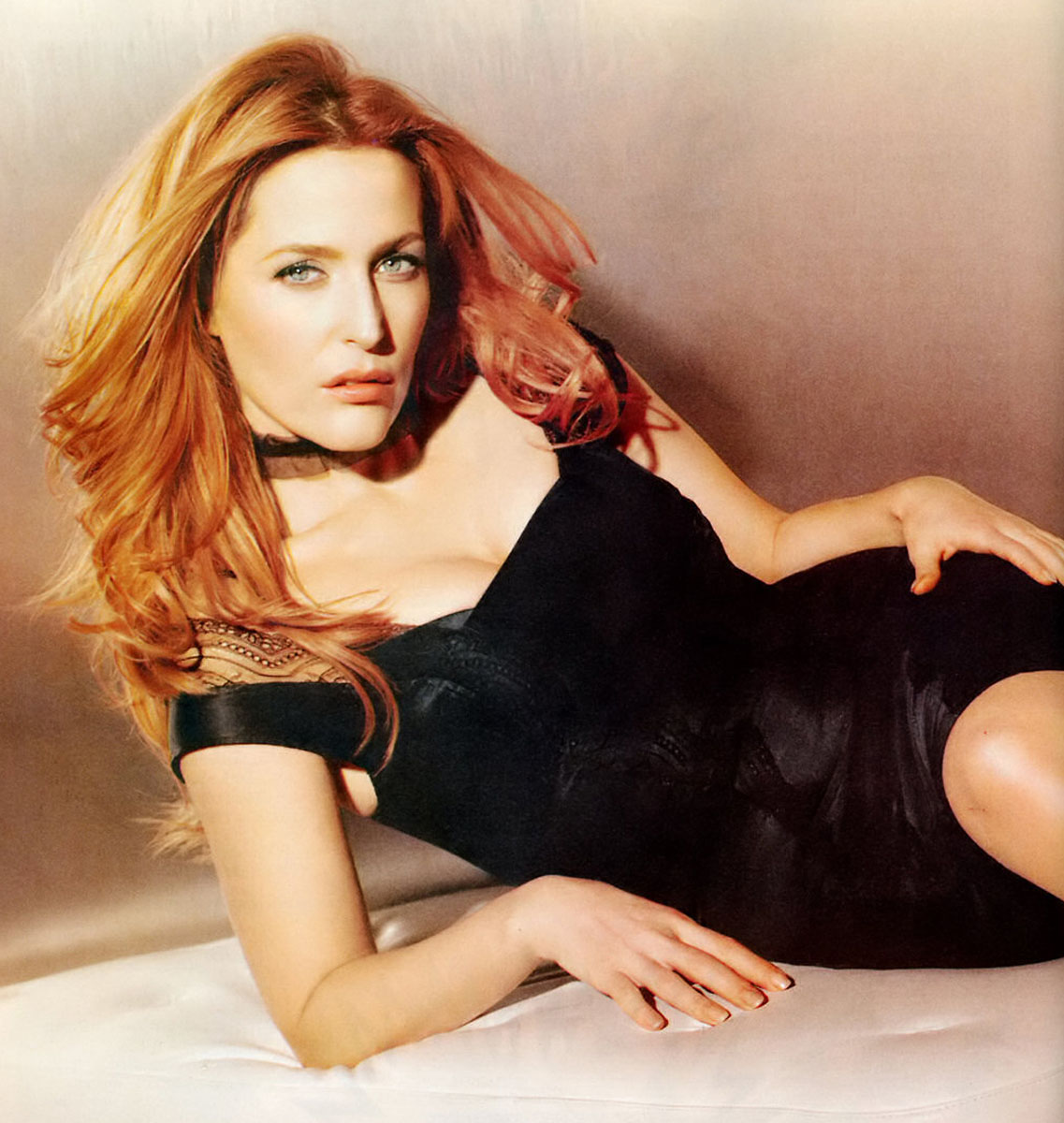 1137x1200 - Gillian Anderson Wallpapers 16