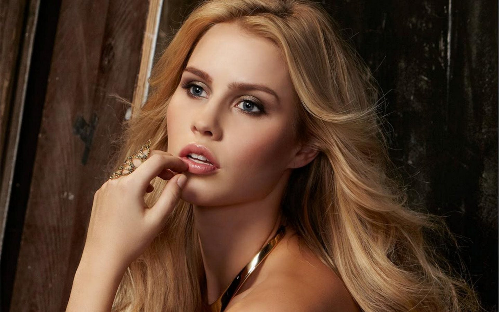 1920x1200 - Claire Holt Wallpapers 13