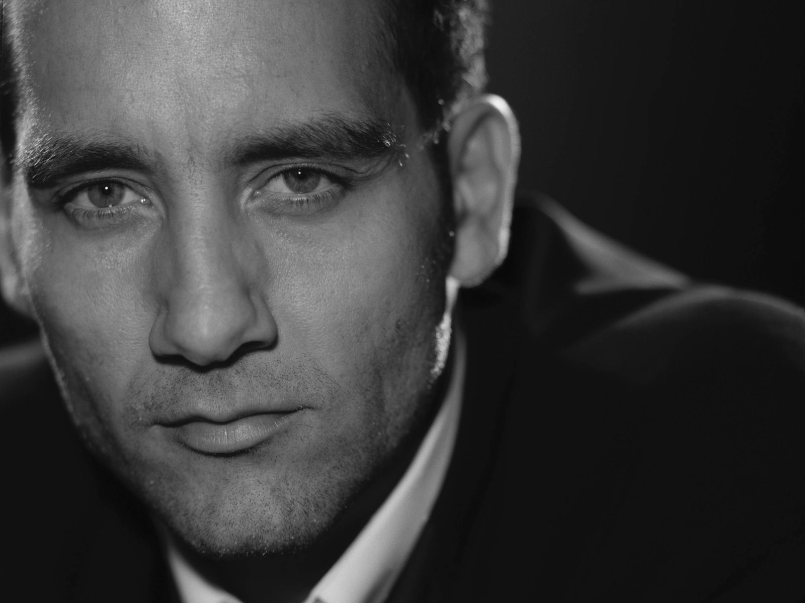 1600x1200 - Clive Owen  Wallpapers 18