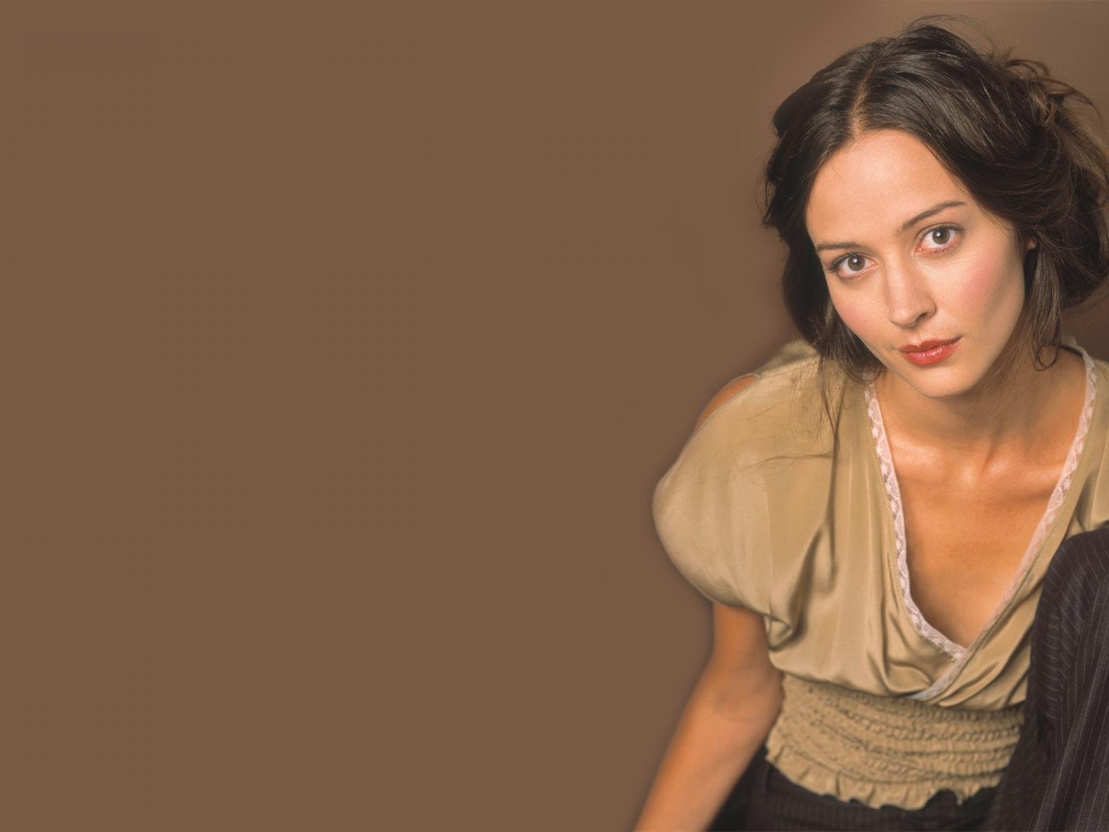 1600x1200 - Amy Acker Wallpapers 28