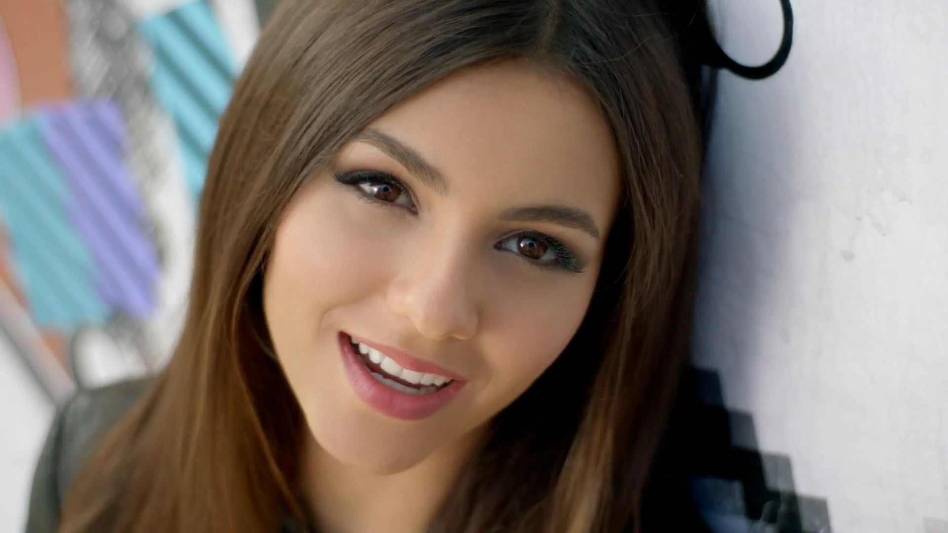 1920x1080 - Victoria Justice Wallpapers 13