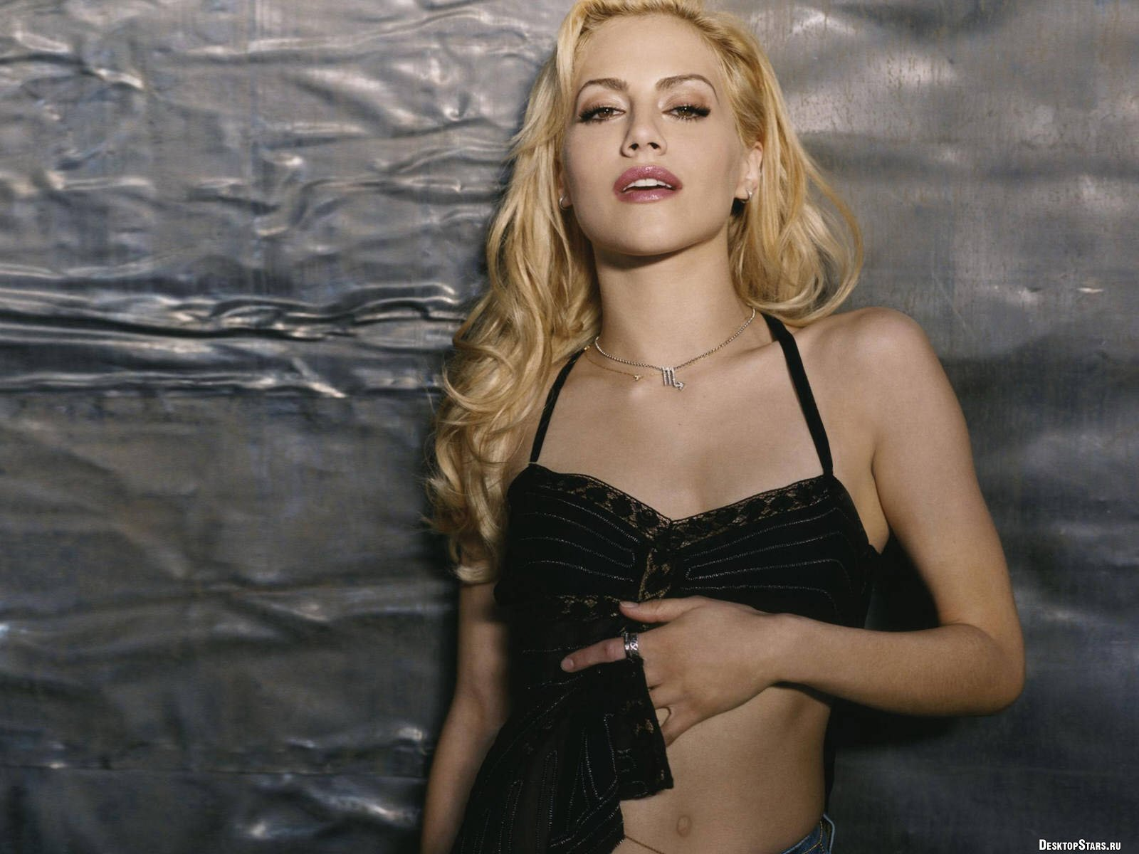 1600x1200 - Brittany Murphy Wallpapers 3