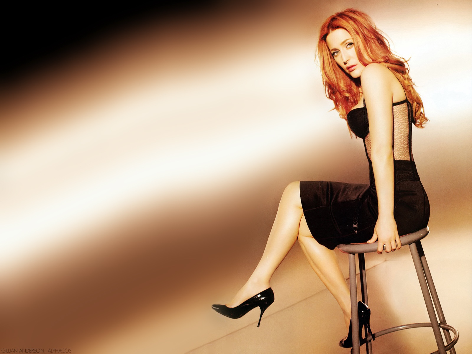 1600x1200 - Gillian Anderson Wallpapers 29
