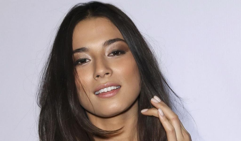 1024x600 - Jessica Gomes Wallpapers 19