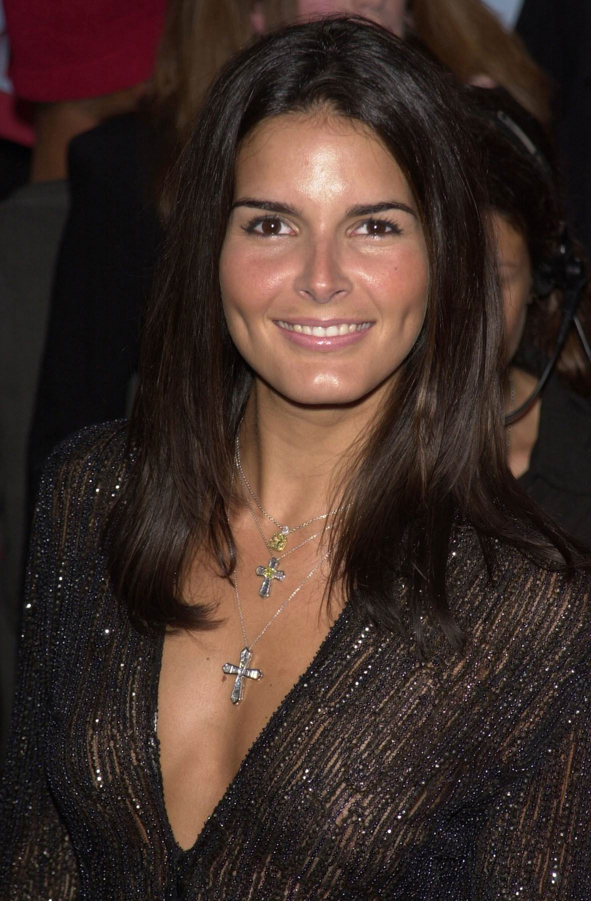 1181x1800 - Angie Harmon Wallpapers 11