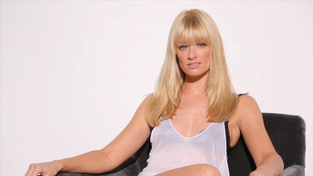 1280x720 - Beth Behrs Wallpapers 3