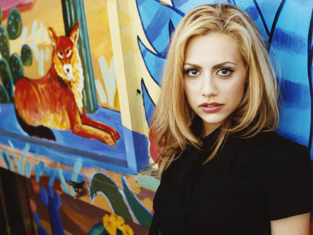 1024x768 - Brittany Murphy Wallpapers 8