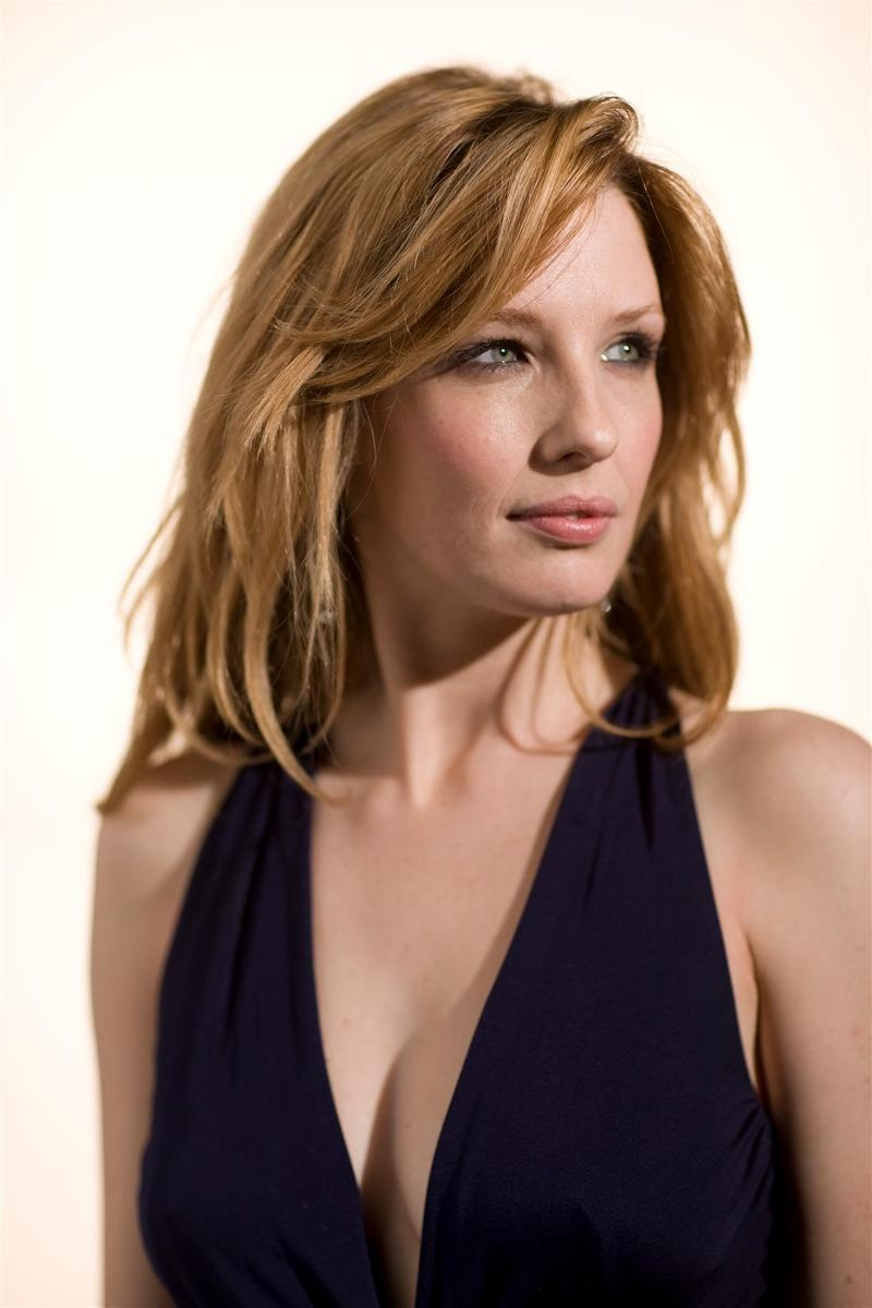 800x1200 - Kelly Reilly Wallpapers 13