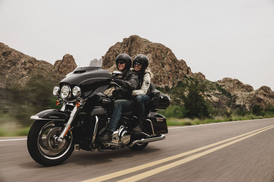 1050x700 - Harley-Davidson Electra Glide Ultra Classic Wallpapers 2