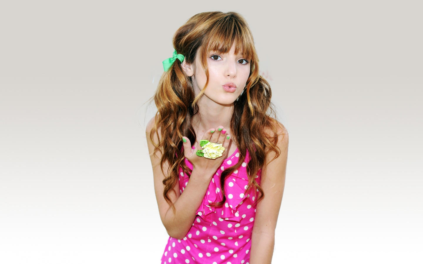 1440x900 - Bella Thorne Wallpapers 11