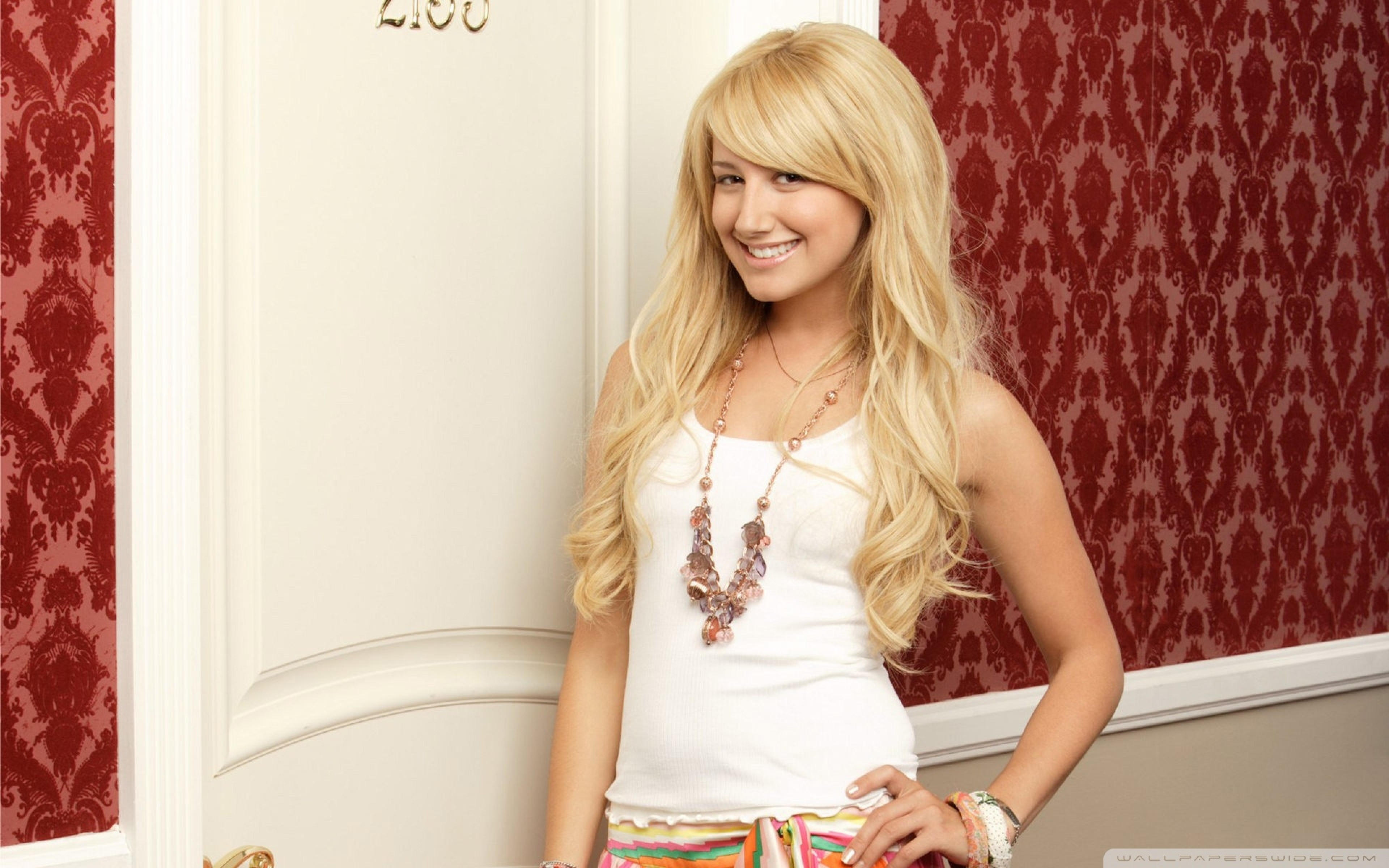 3840x2400 - Ashley Tisdale Wallpapers 12