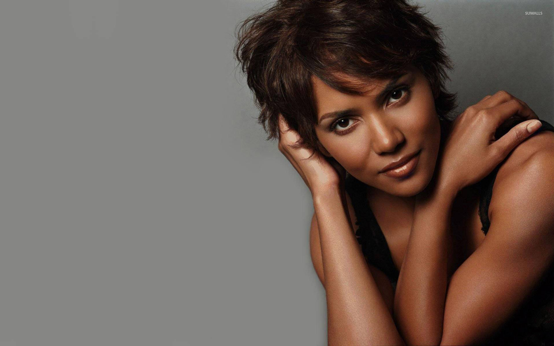 1920x1200 - Halle Berry Wallpapers 5