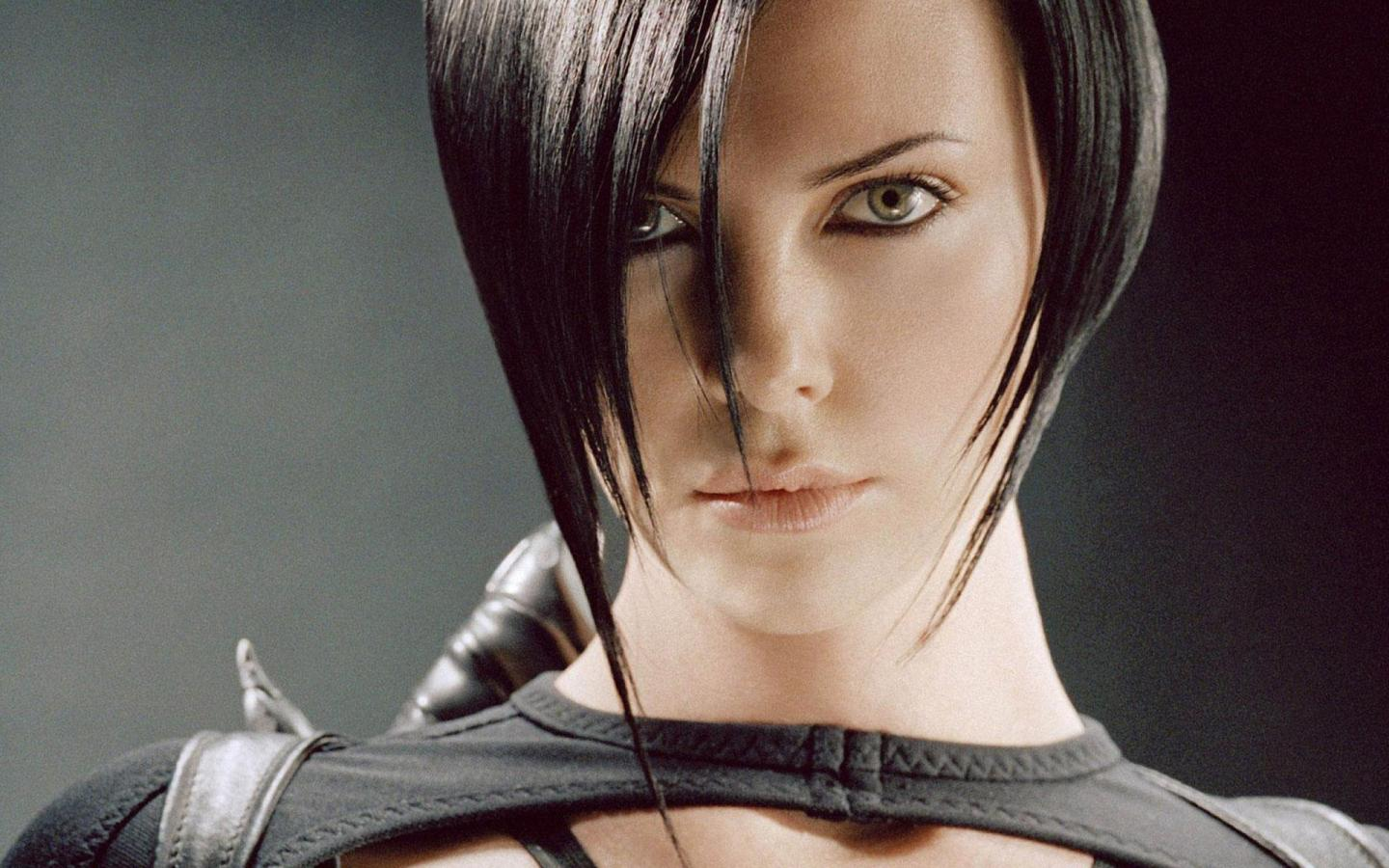 1440x900 - Charlize Theron Wallpapers 15