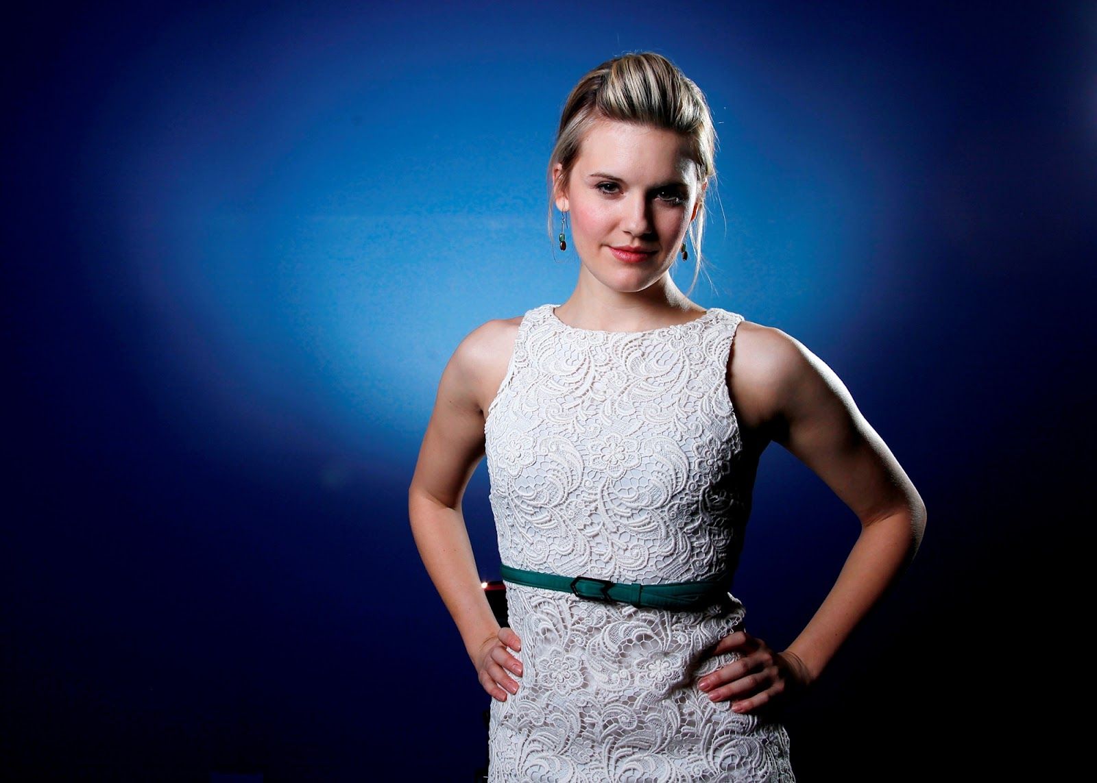 1600x1143 - Maggie Grace Wallpapers 8