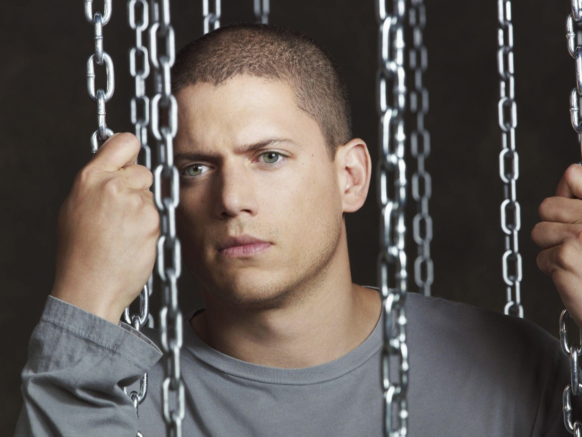 1920x1442 - Wentworth Miller Wallpapers 24