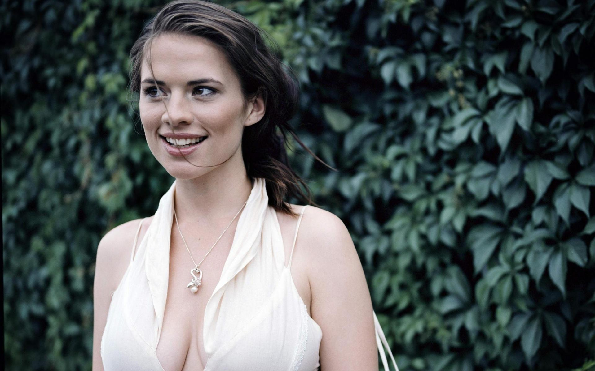 1920x1200 - Hayley Atwell Wallpapers 4