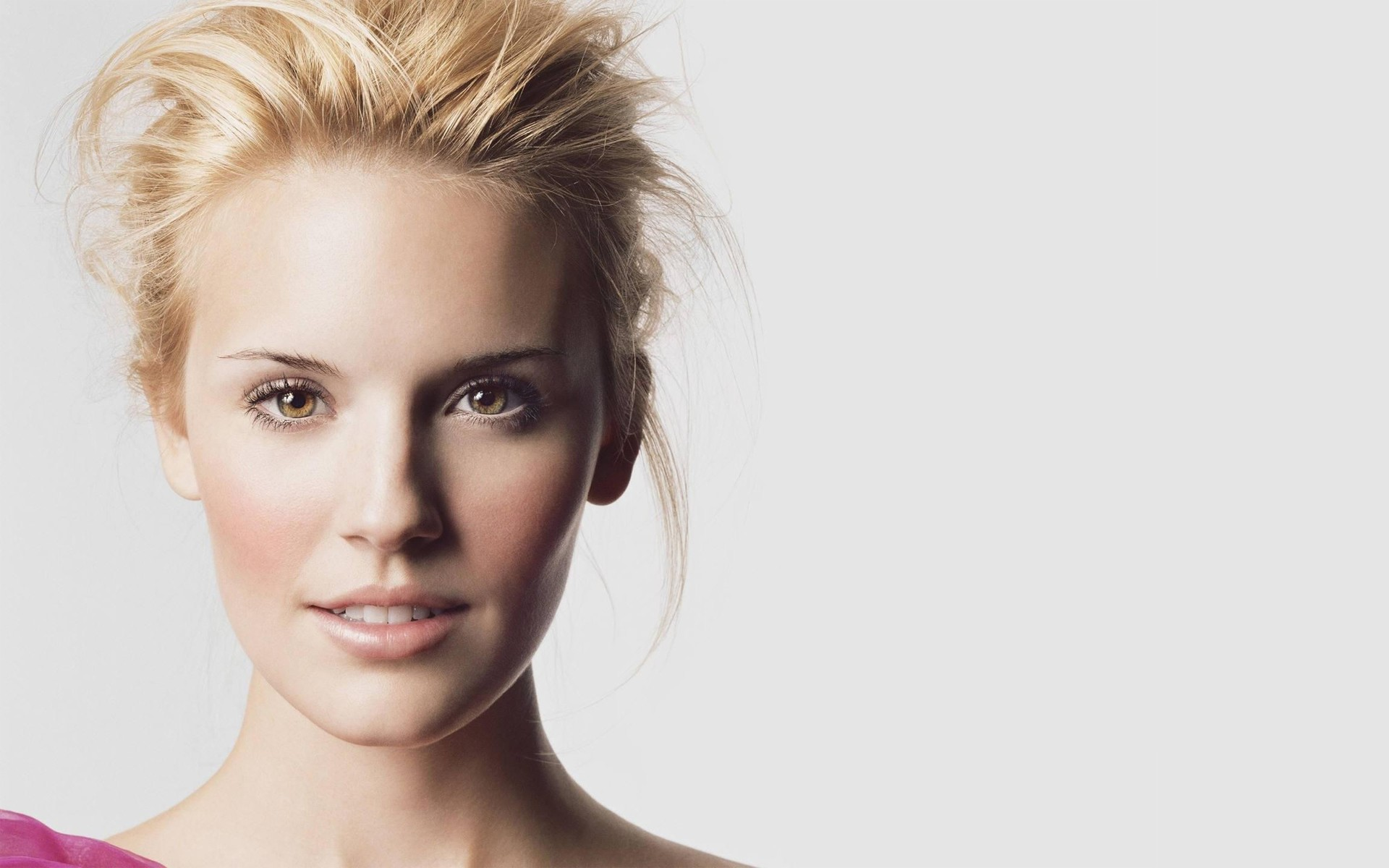 1920x1200 - Maggie Grace Wallpapers 1