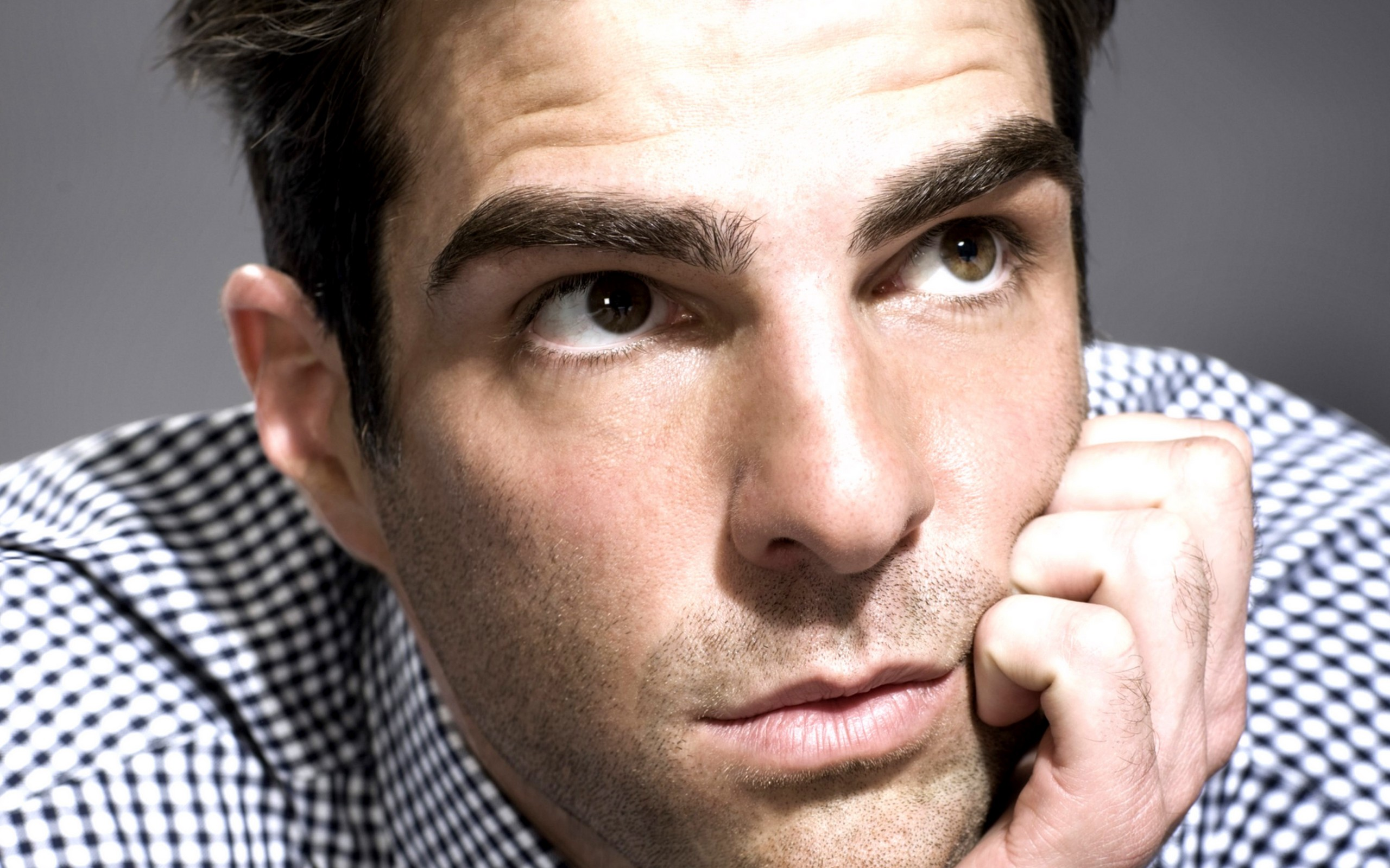 2560x1600 - Zachary Quinto Wallpapers 33