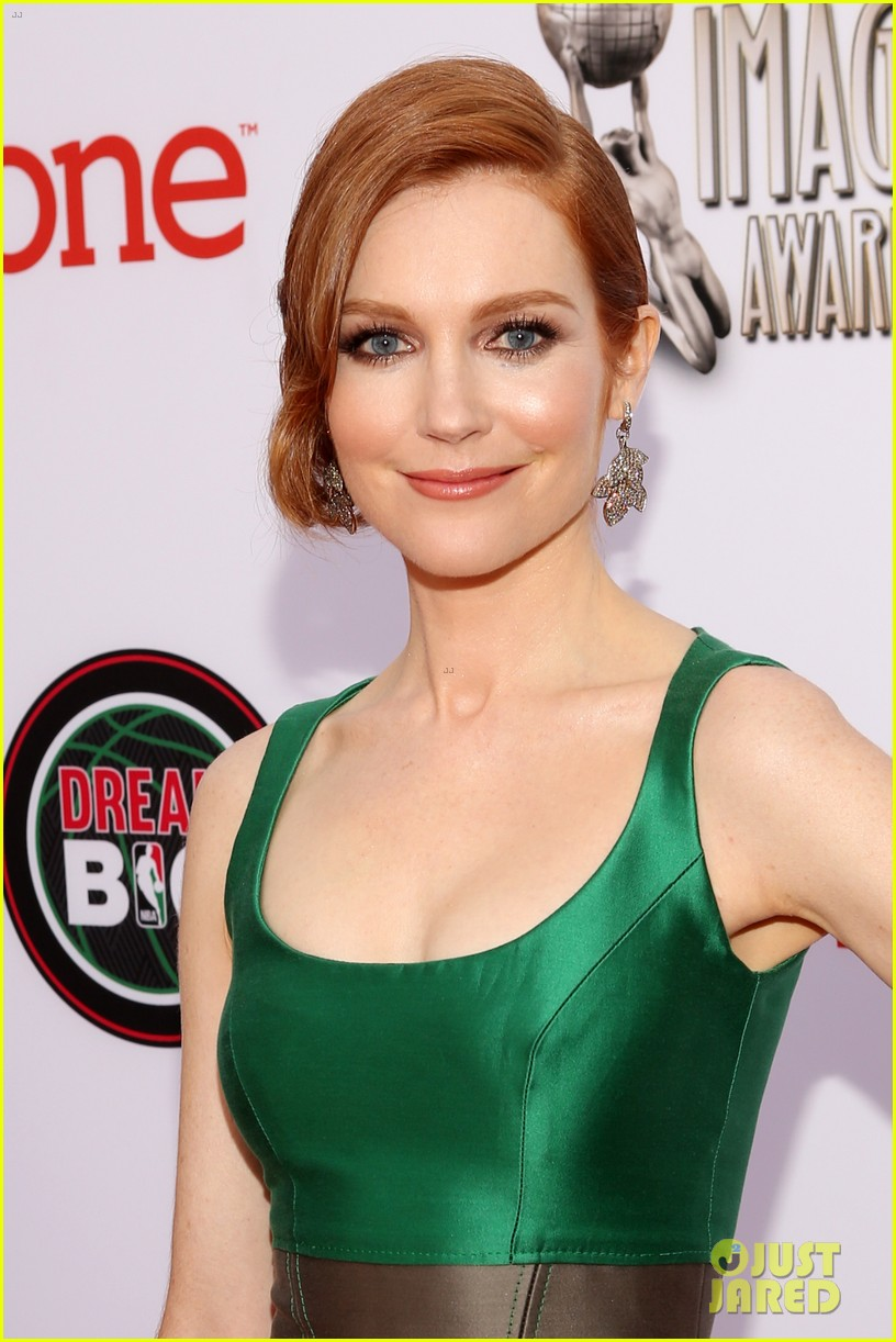 816x1222 - Darby Stanchfield Wallpapers 22