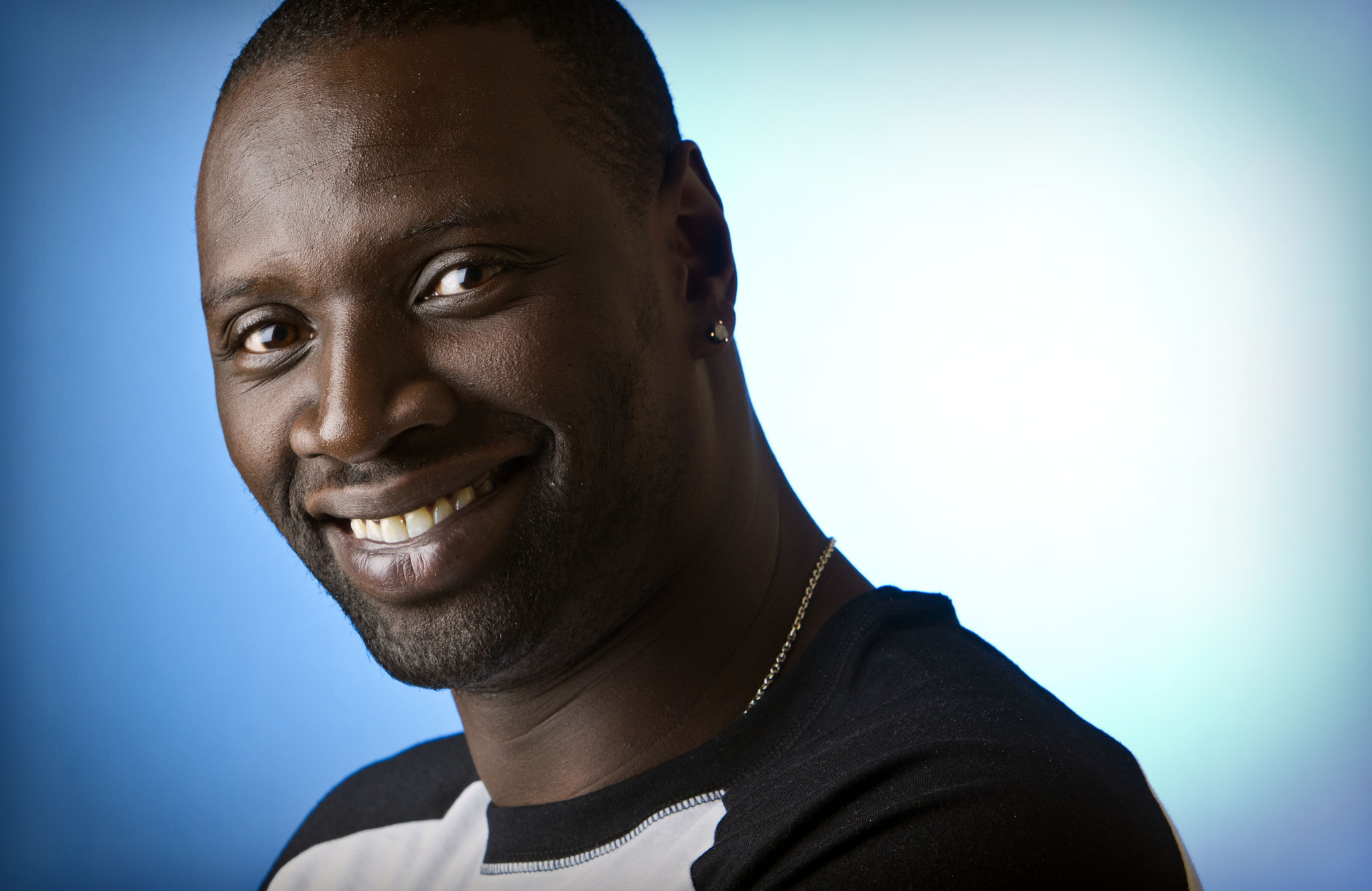 2048x1330 - Omar Sy Wallpapers 15