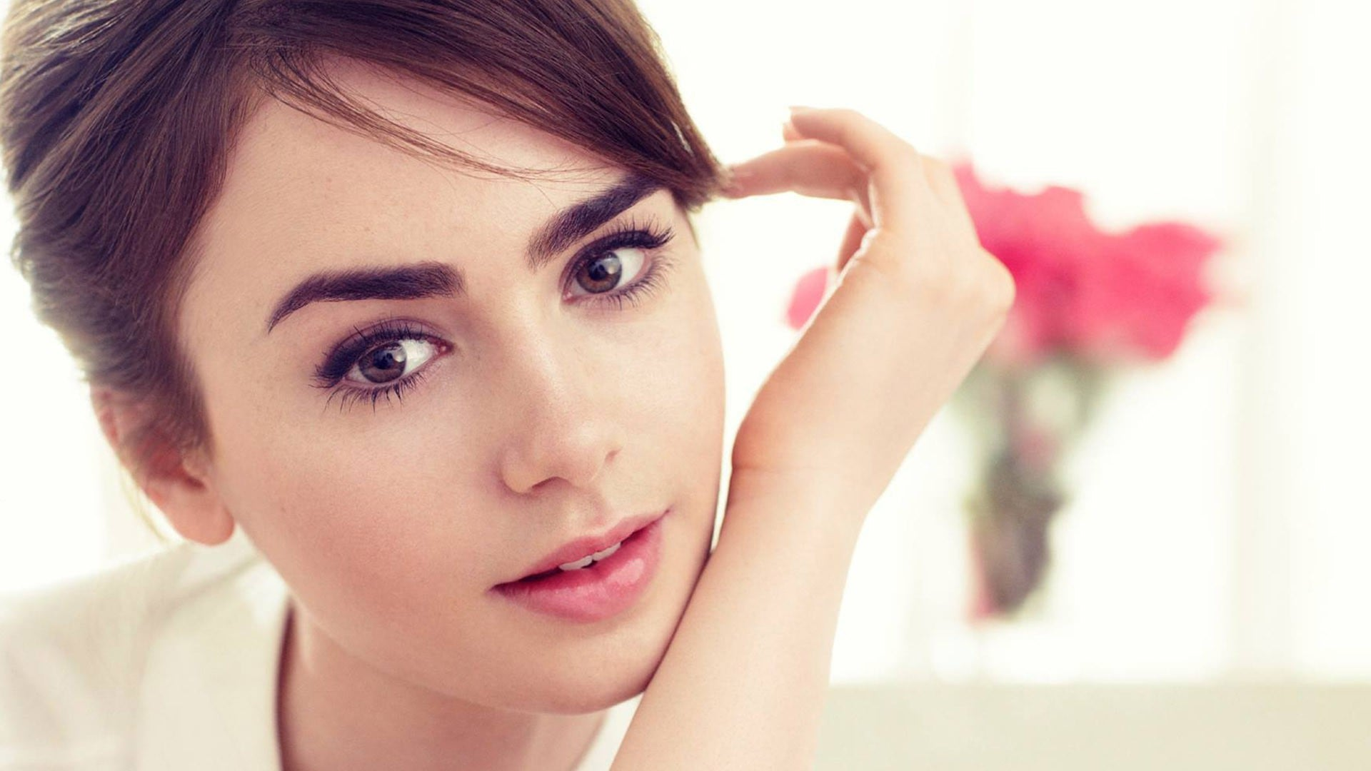 1920x1080 - Lily Collins Wallpapers 8