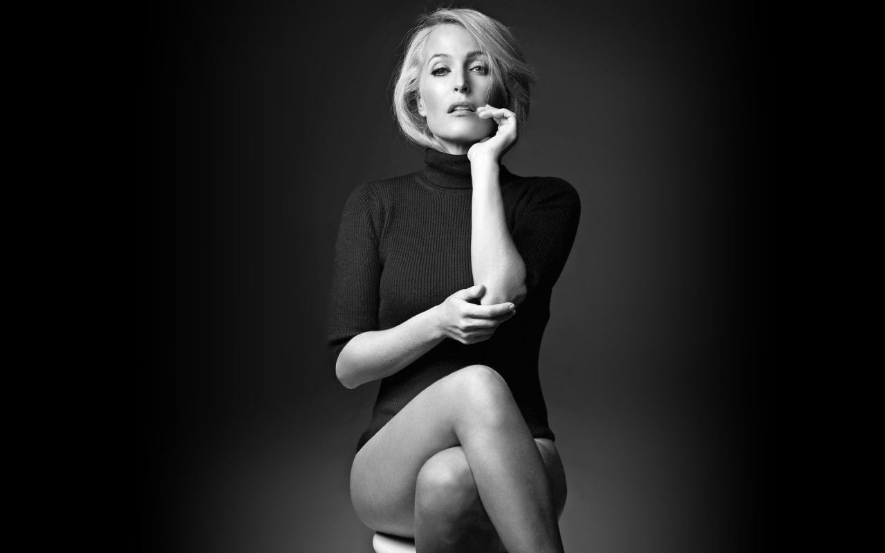 1280x800 - Gillian Anderson Wallpapers 13