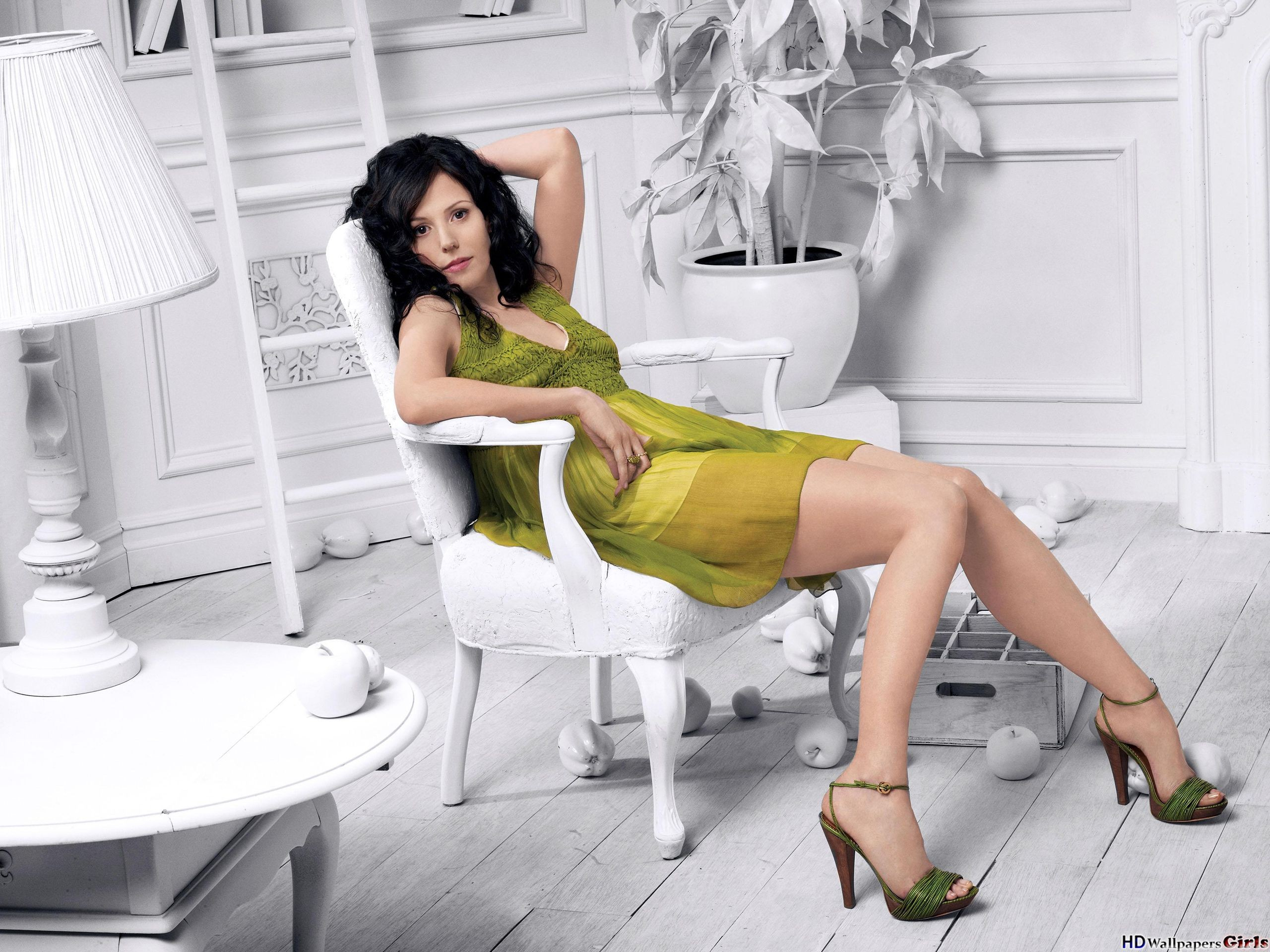 2560x1920 - Mary-Louise Parker Wallpapers 22