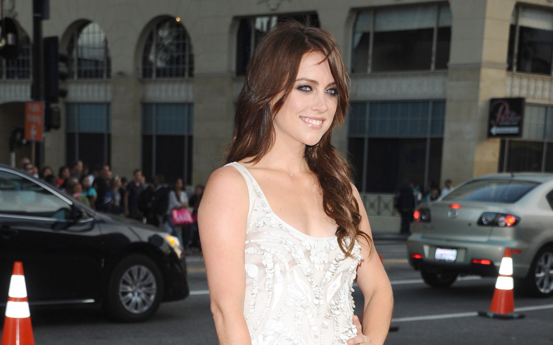 1920x1200 - Jessica Stroup Wallpapers 33