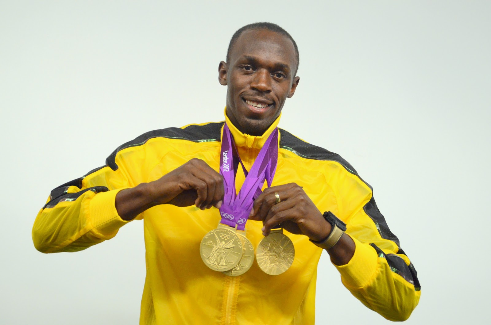 1600x1060 - Olympic Gold Metal Wallpapers 21