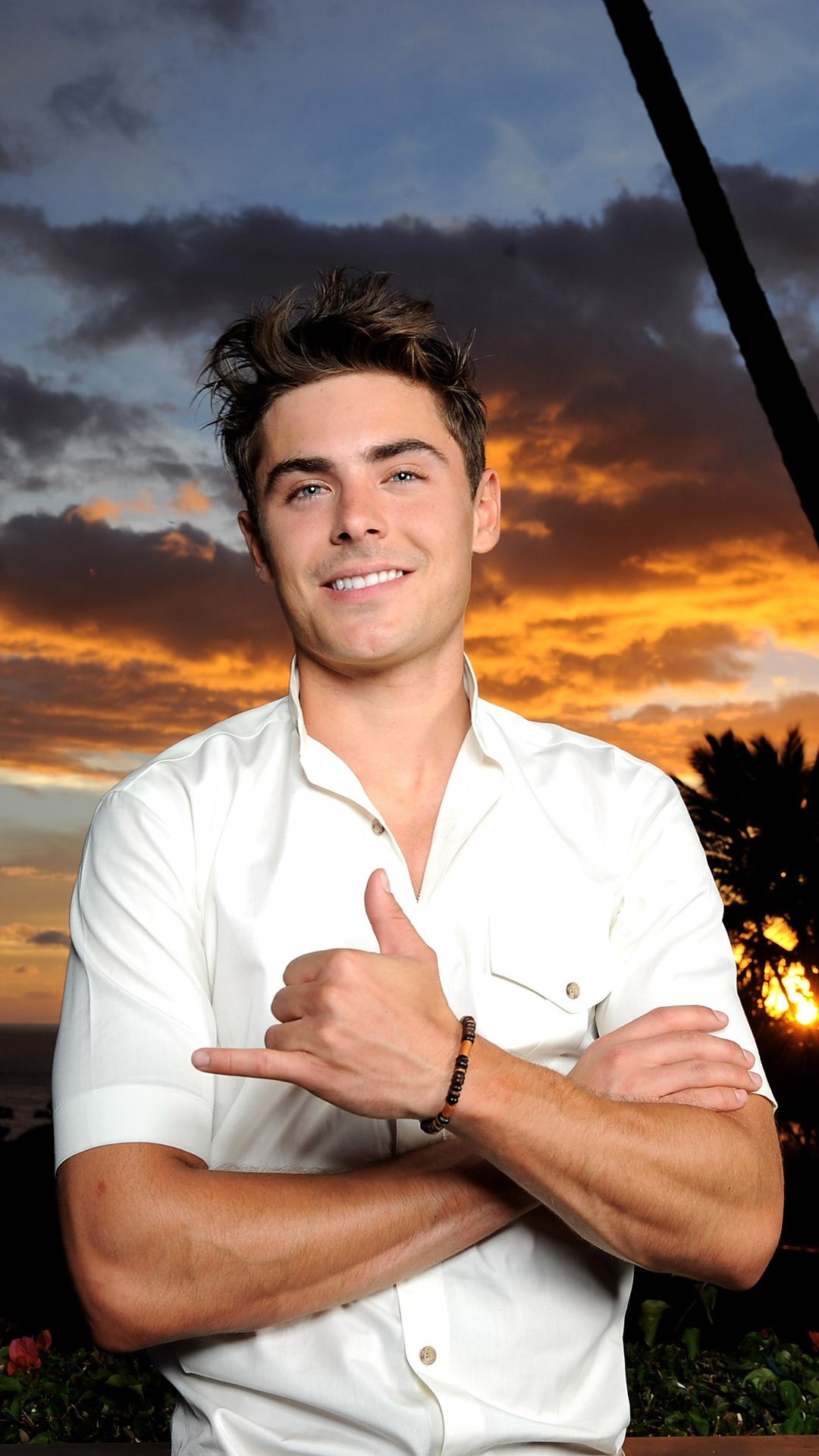 1080x1920 - Zac Efron Wallpapers 7