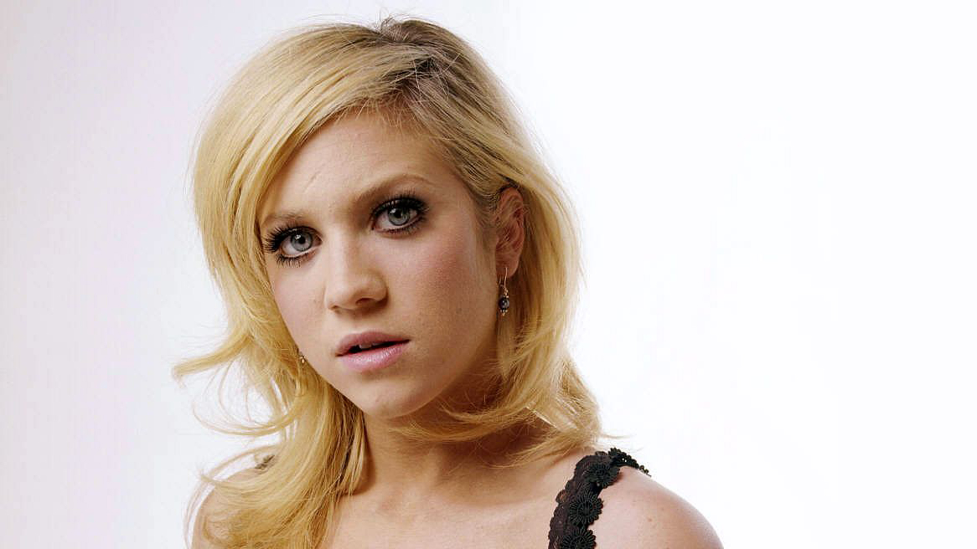 1920x1080 - Brittany Snow Wallpapers 27