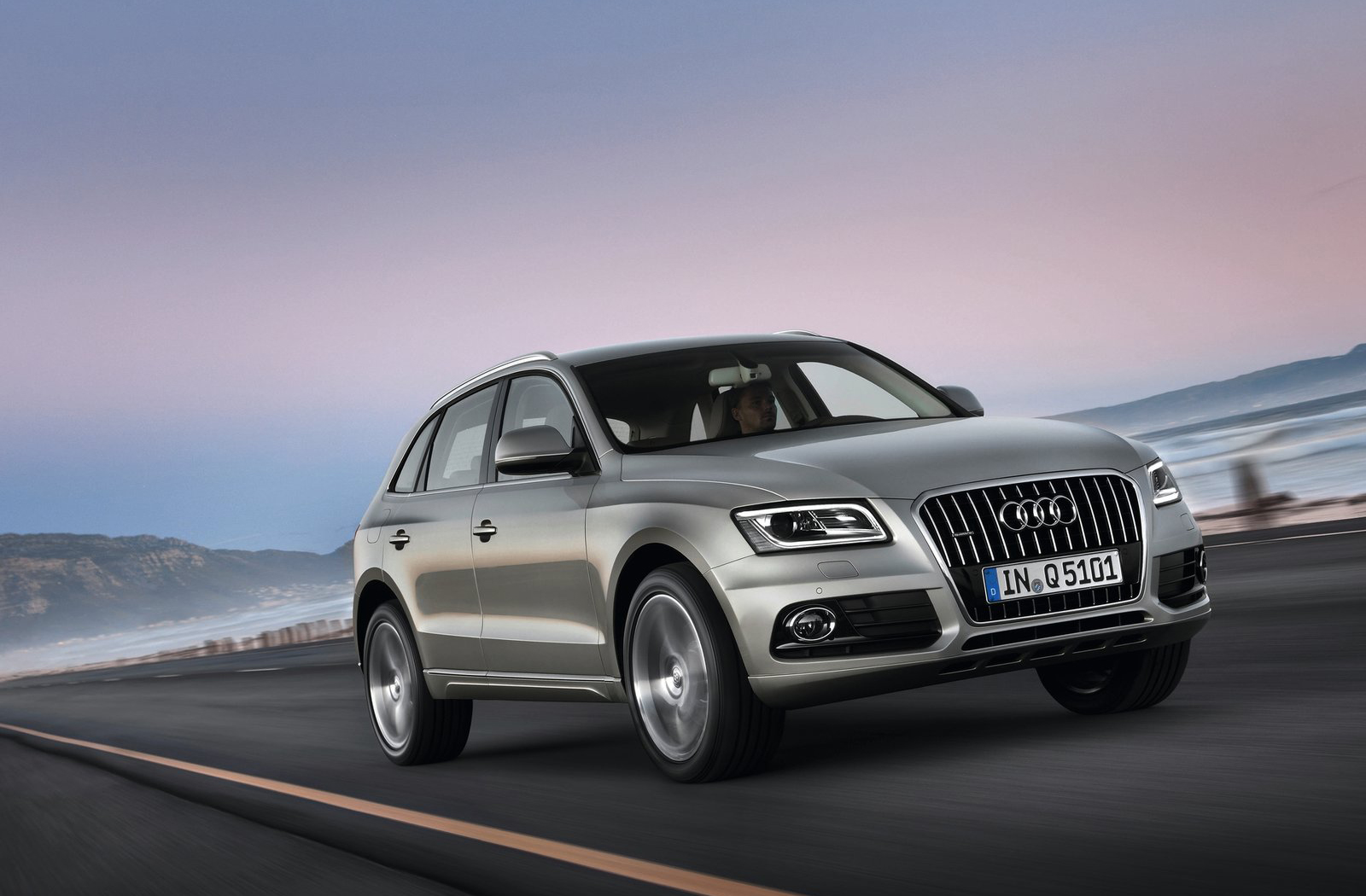 1600x1050 - Audi Q5 Wallpapers 3