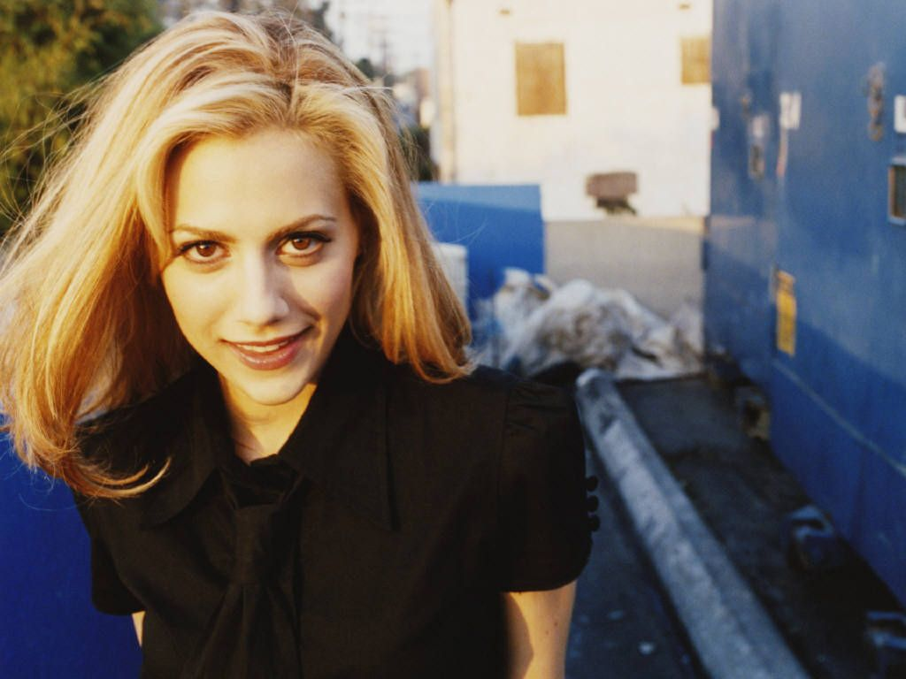 1024x768 - Brittany Murphy Wallpapers 18