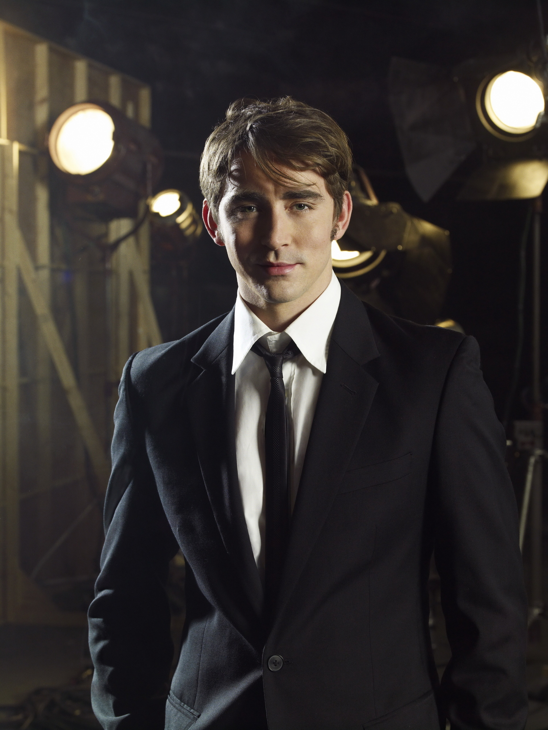 1922x2560 - Lee Pace Wallpapers 22