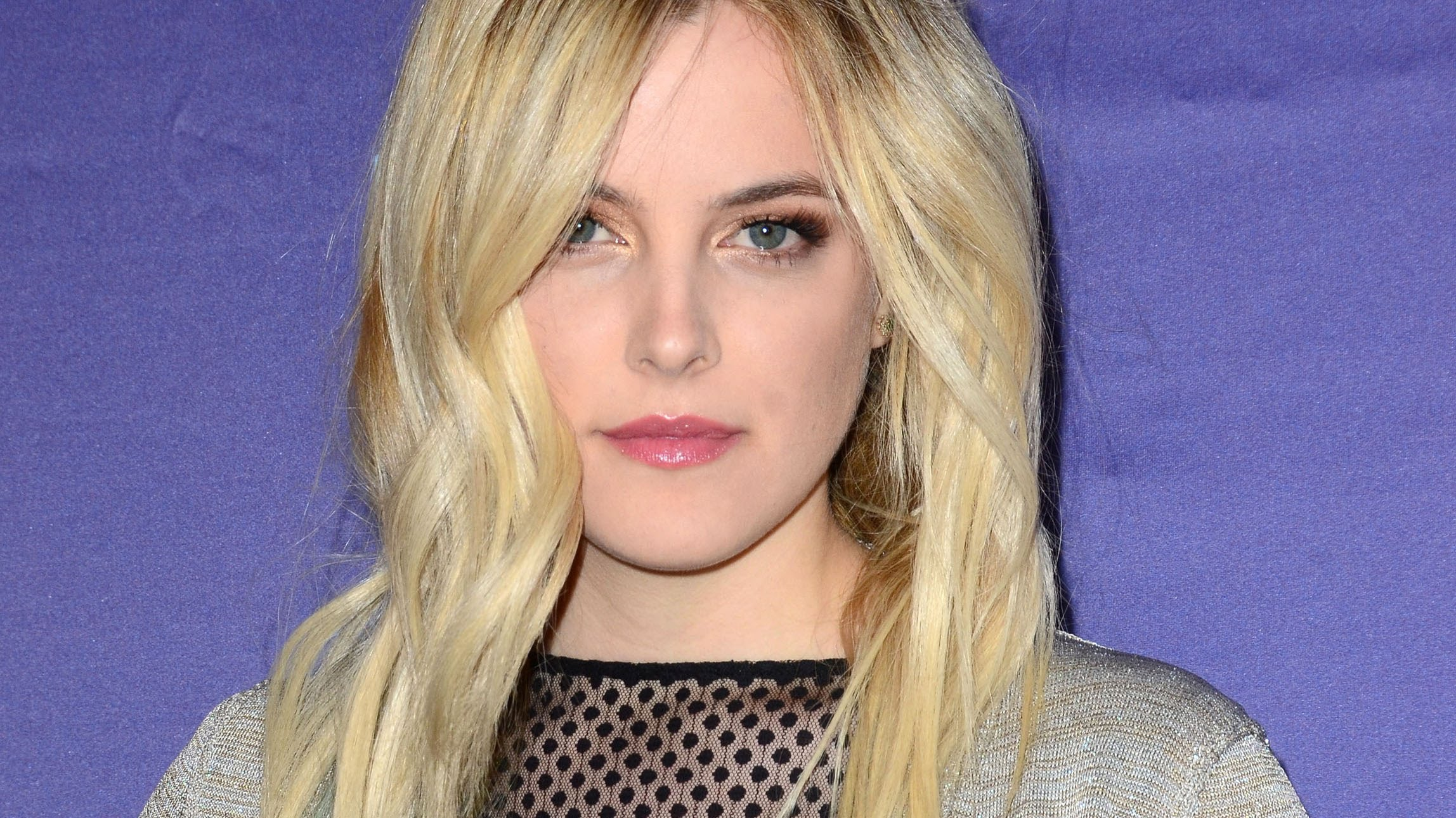 2296x1291 - Riley Keough Wallpapers 23