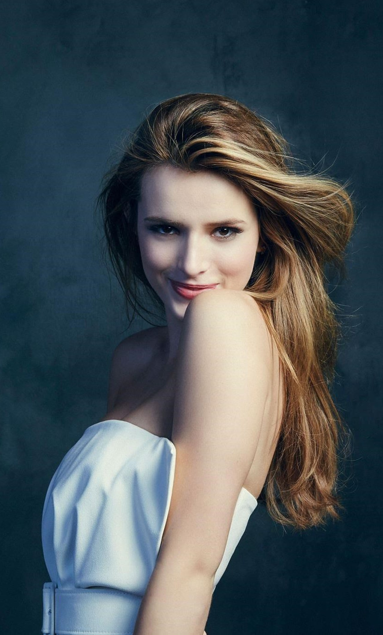 1280x2120 - Bella Thorne Wallpapers 25