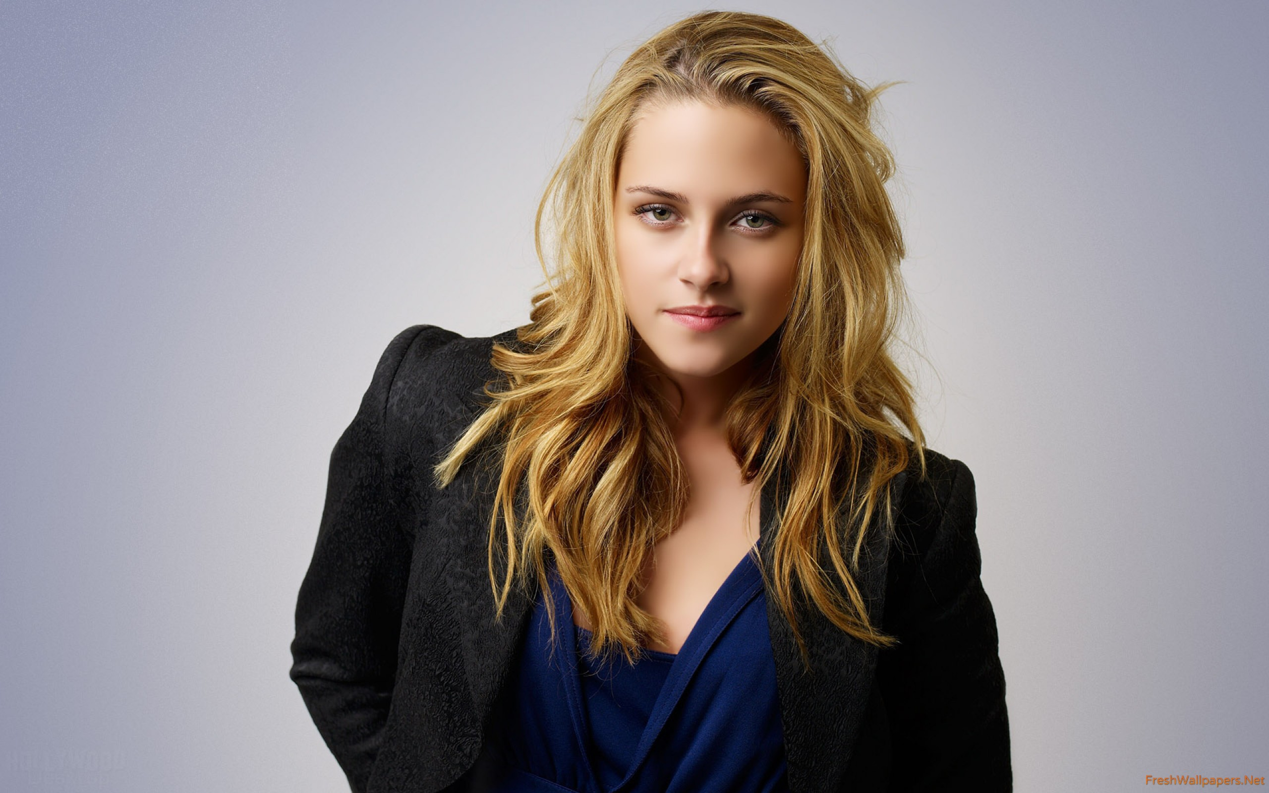 2560x1600 - Riley Keough Wallpapers 5