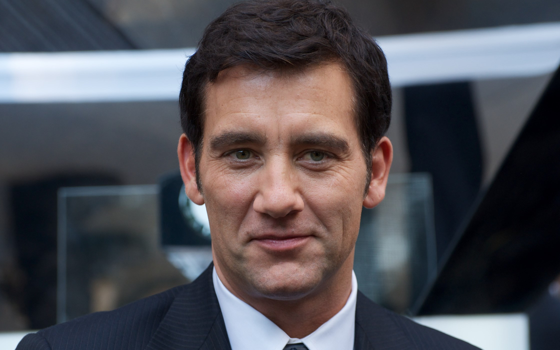 2240x1400 - Clive Owen  Wallpapers 10