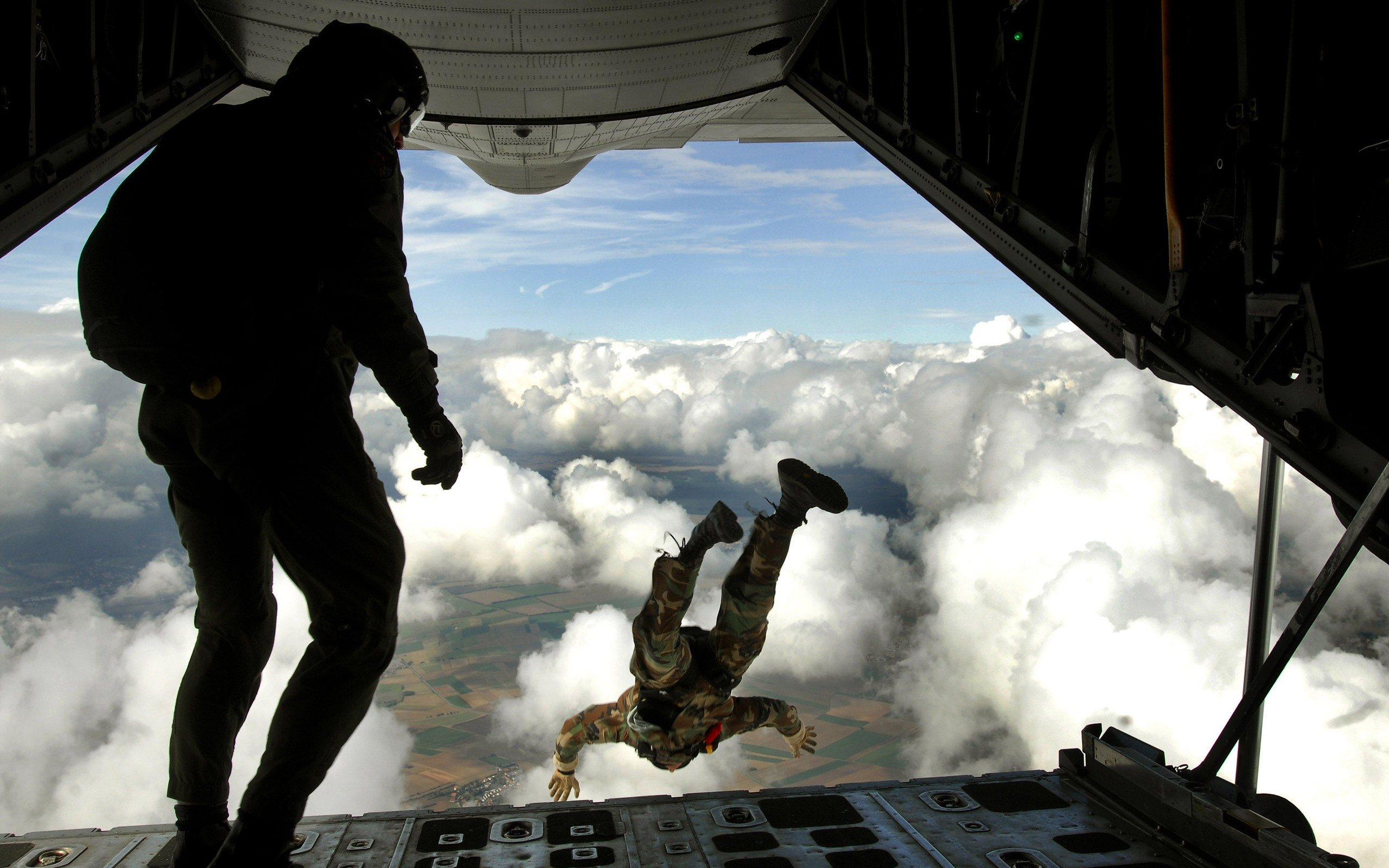 2560x1600 - Skydiving Wallpapers 17