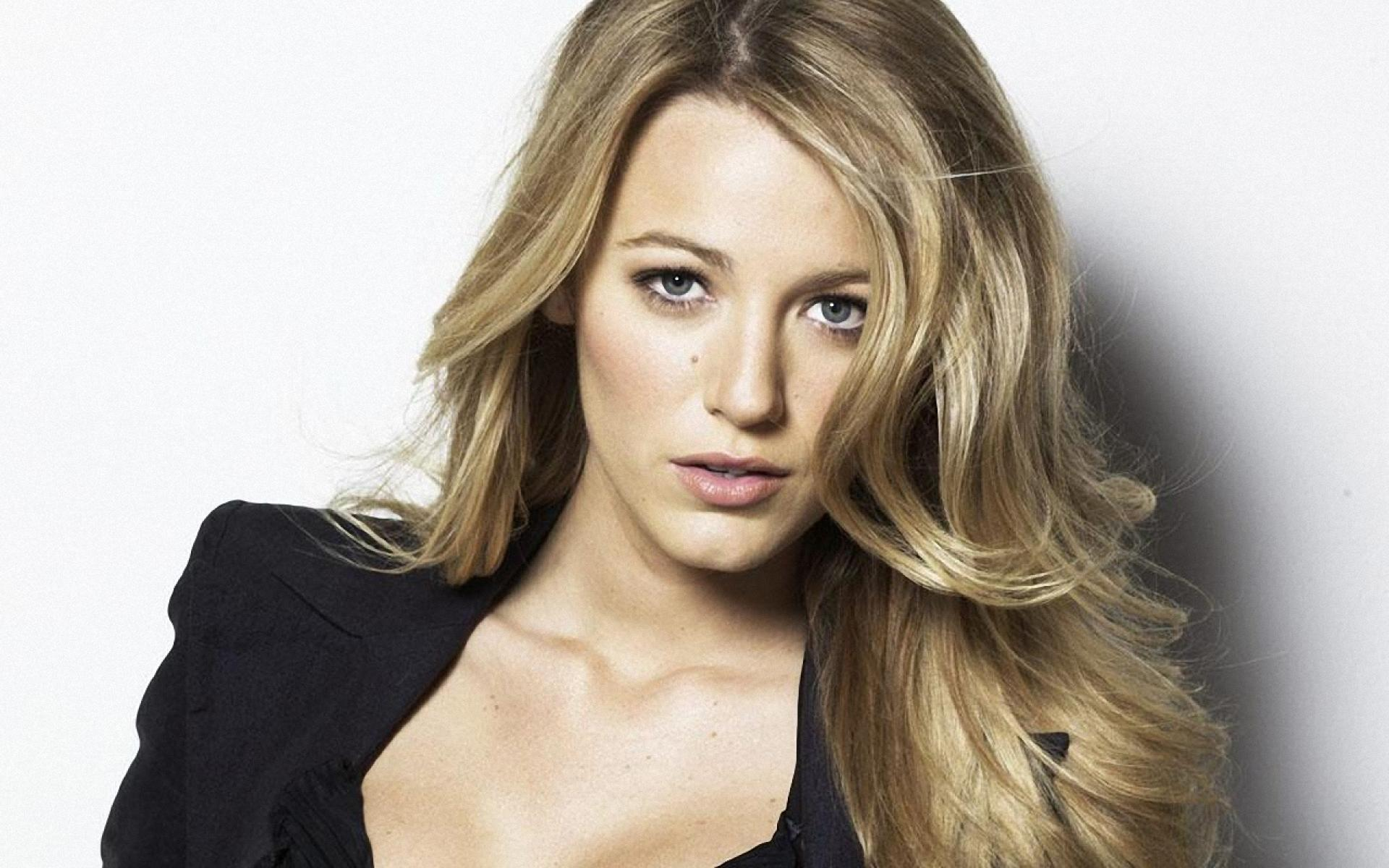 1920x1200 - Blake Lively Wallpapers 13