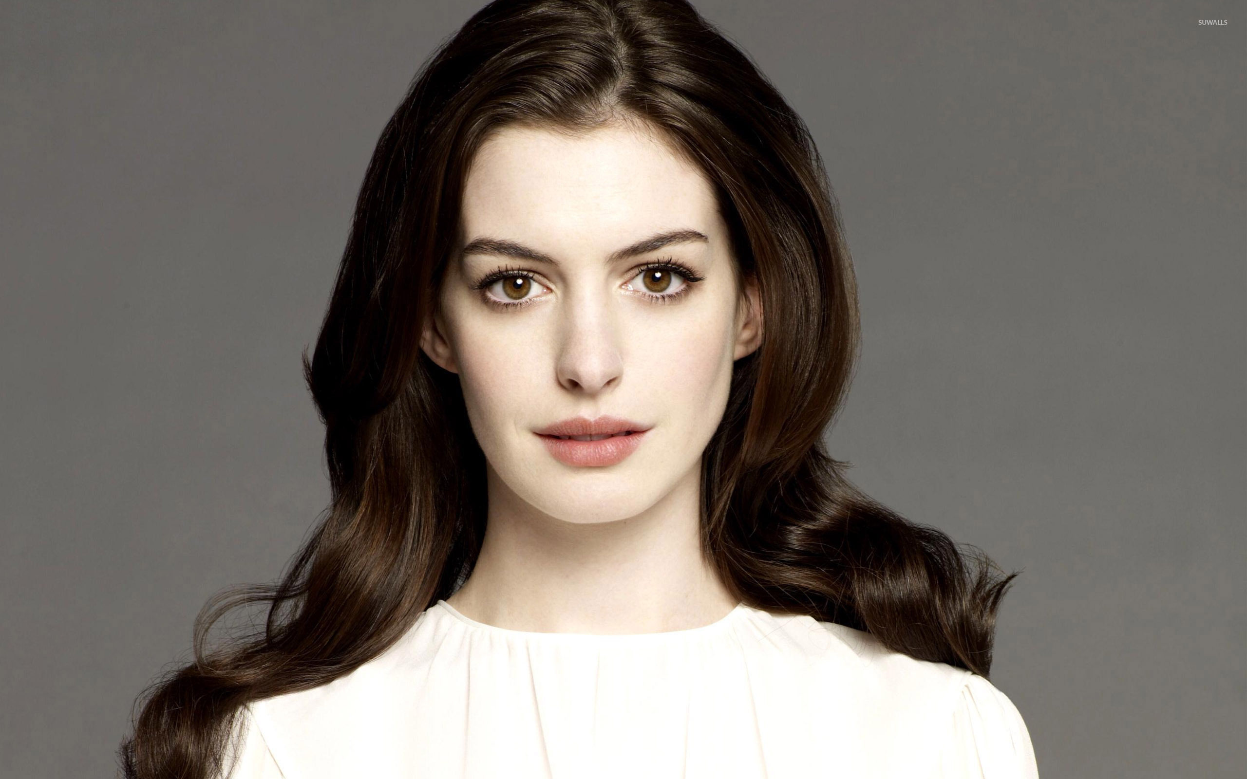 2560x1600 - Anne Hathaway Wallpapers 25