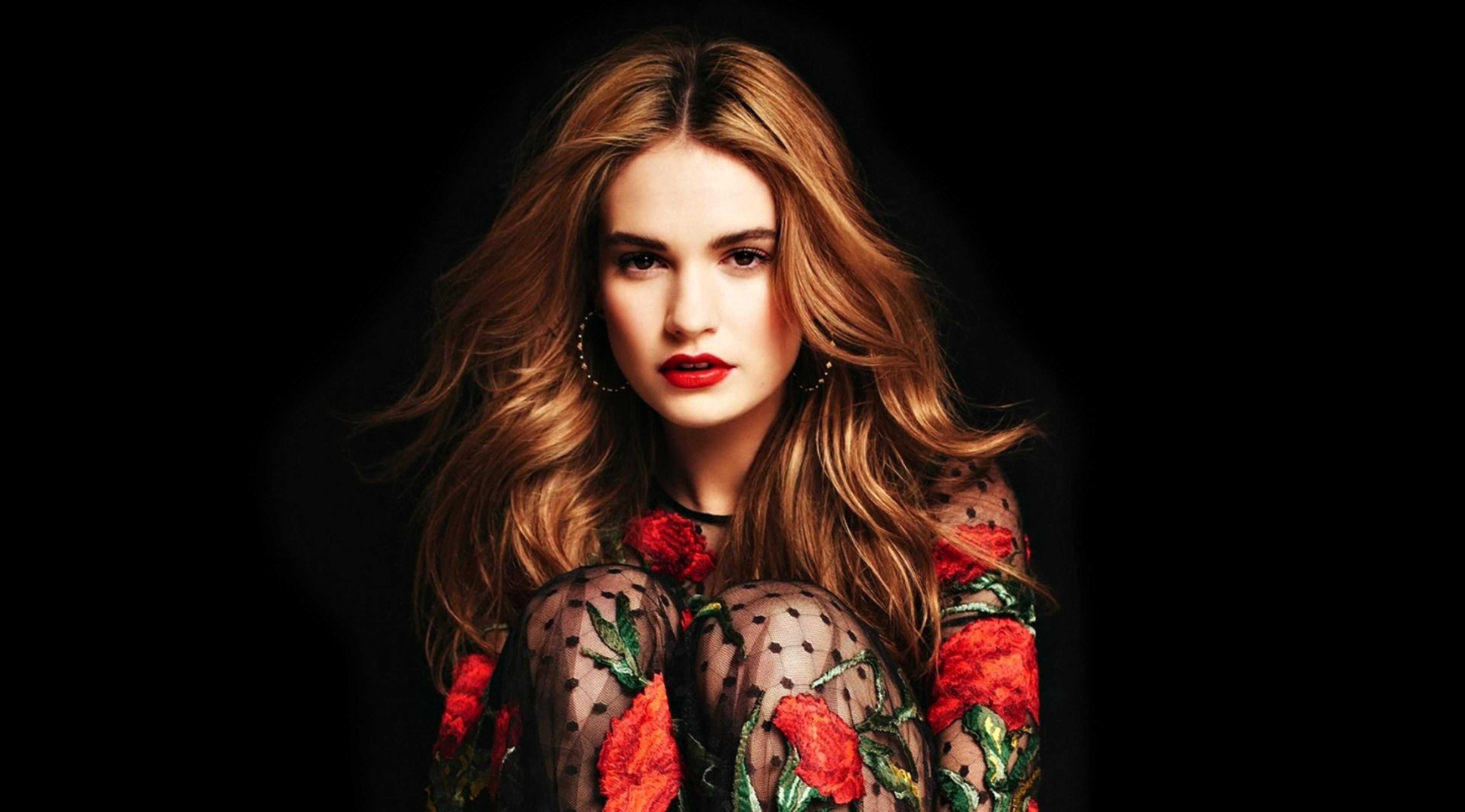 3840x2130 - Lily James Wallpapers 29