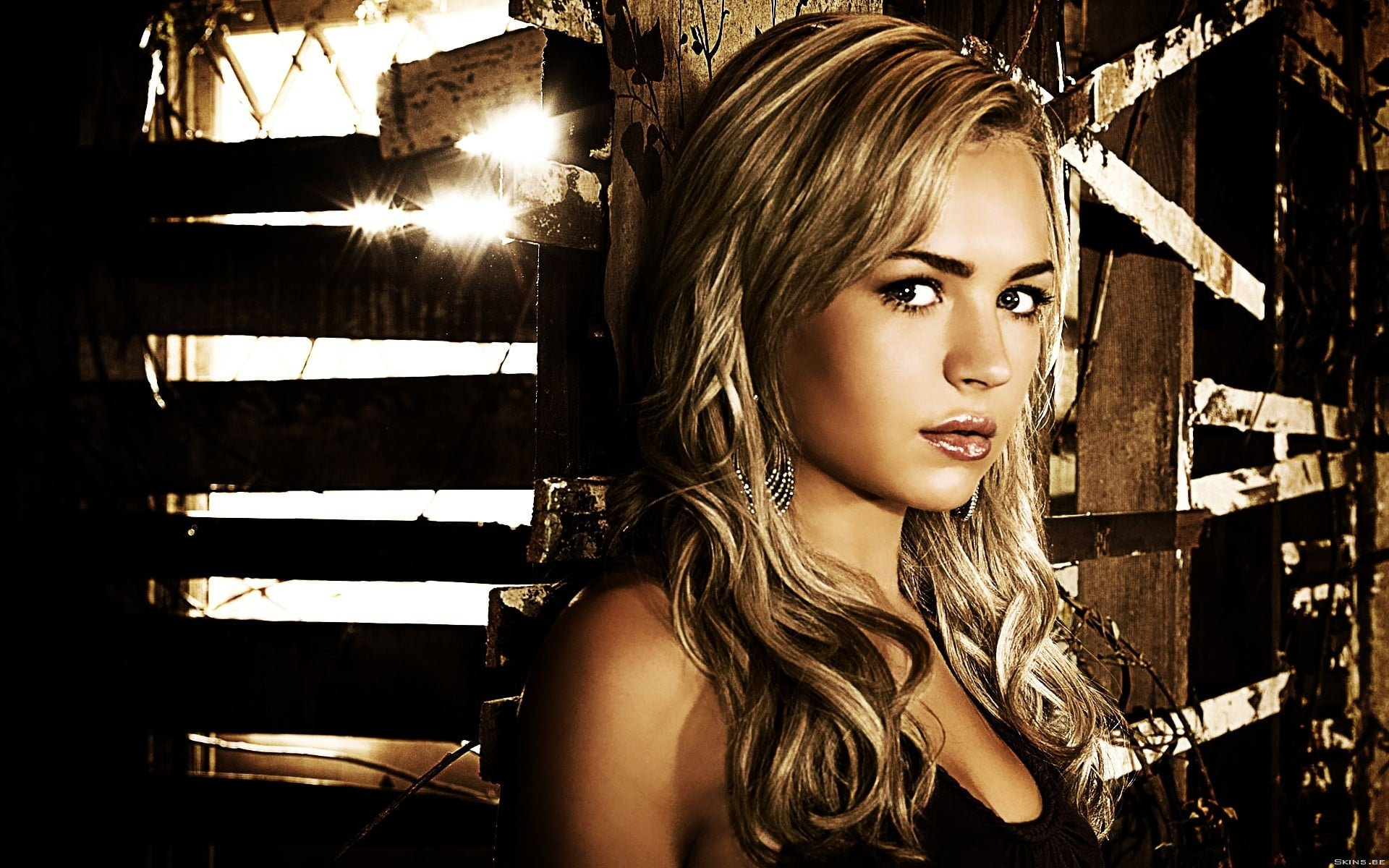 1920x1200 - Brittany Robertson Wallpapers 15