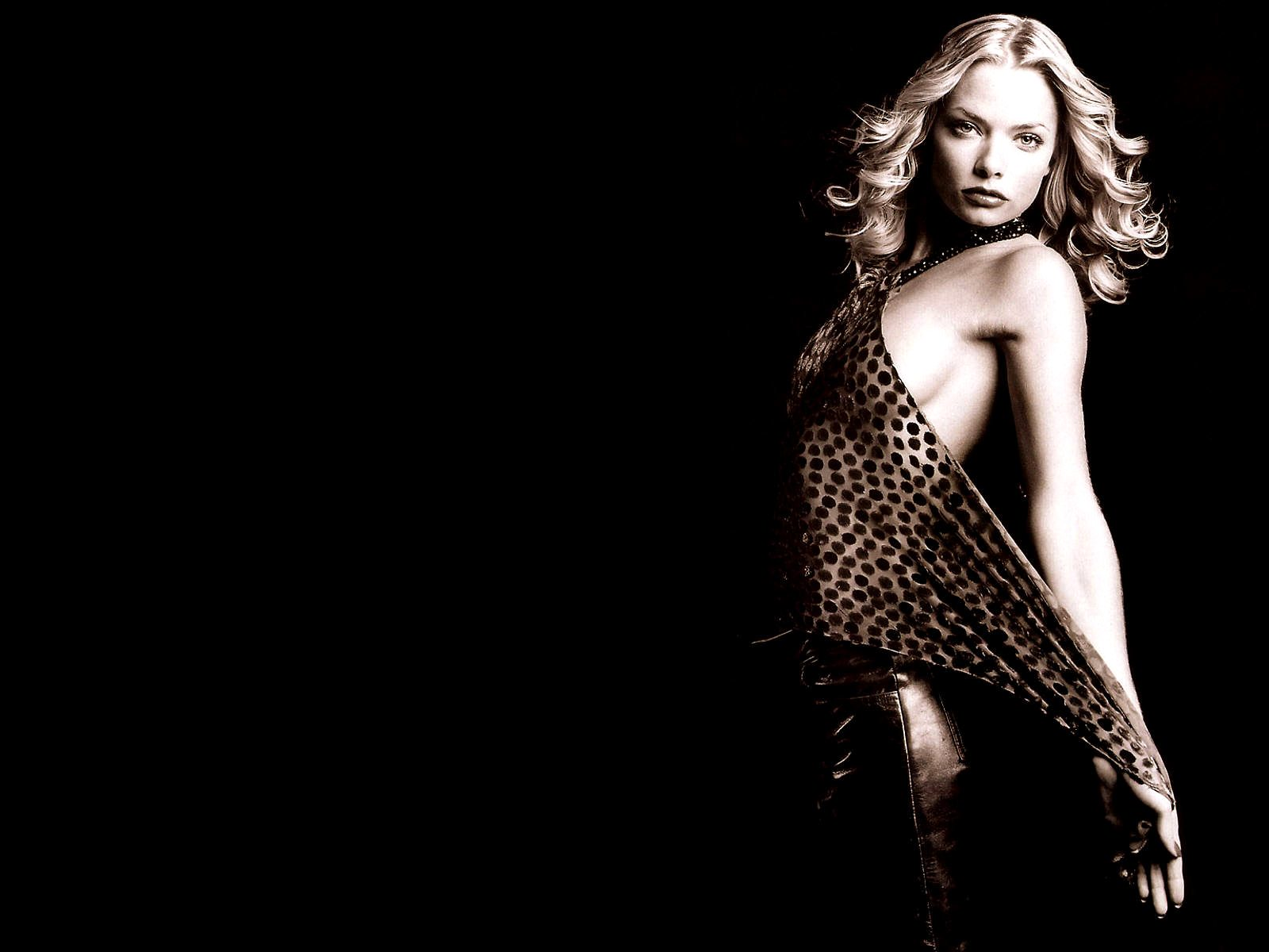 1600x1200 - Jaime Pressly Wallpapers 11