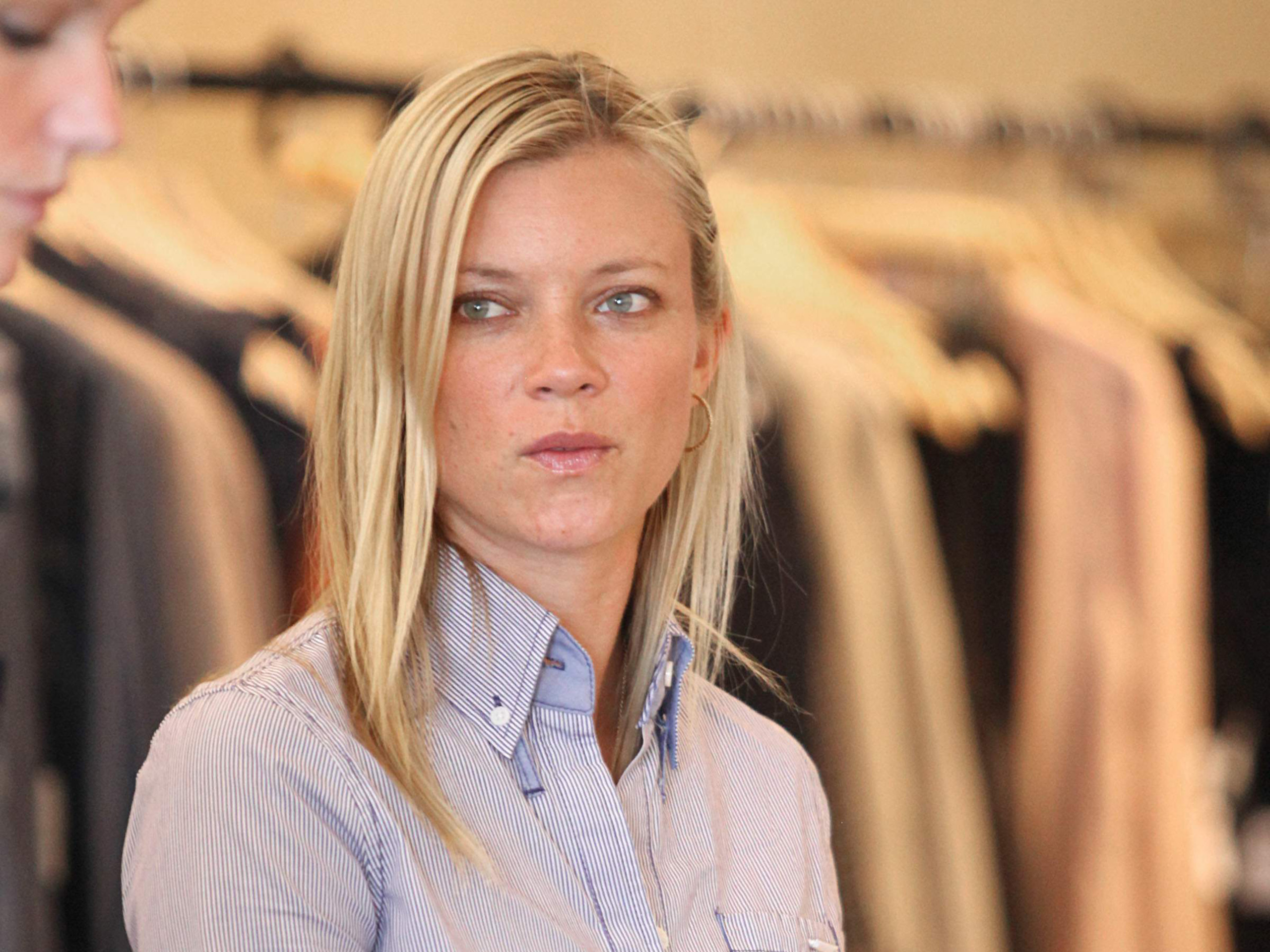 2560x1920 - Amy Smart Wallpapers 22